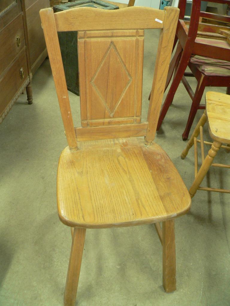 Chaise en bois # 1635