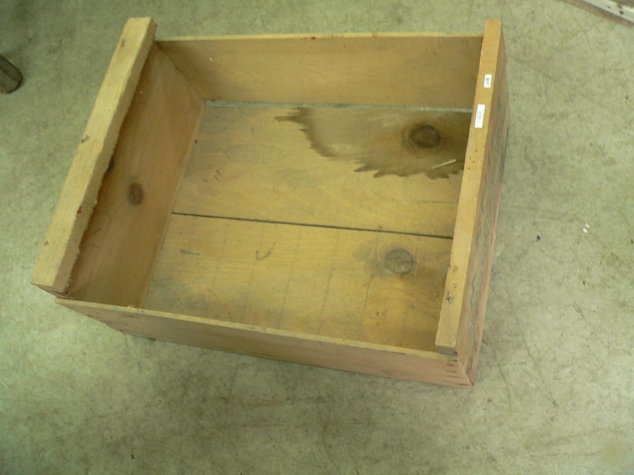 Caisse de bois # 1787