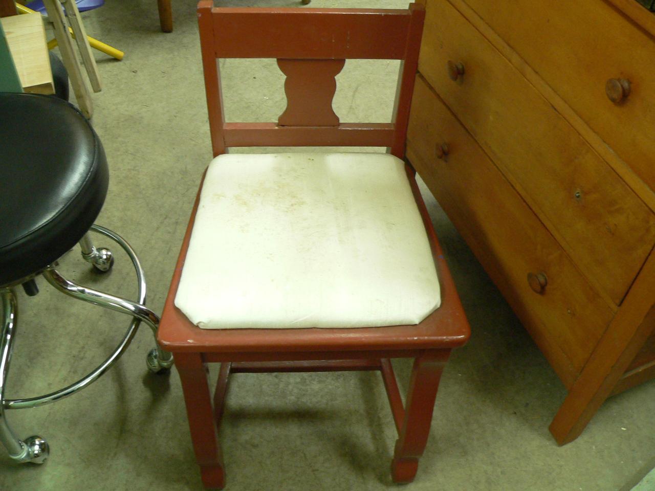 Petite chaise antique de maquilleuse # 3485