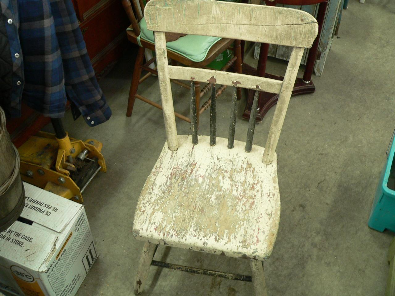 Chaise antique pour enfant # 3771