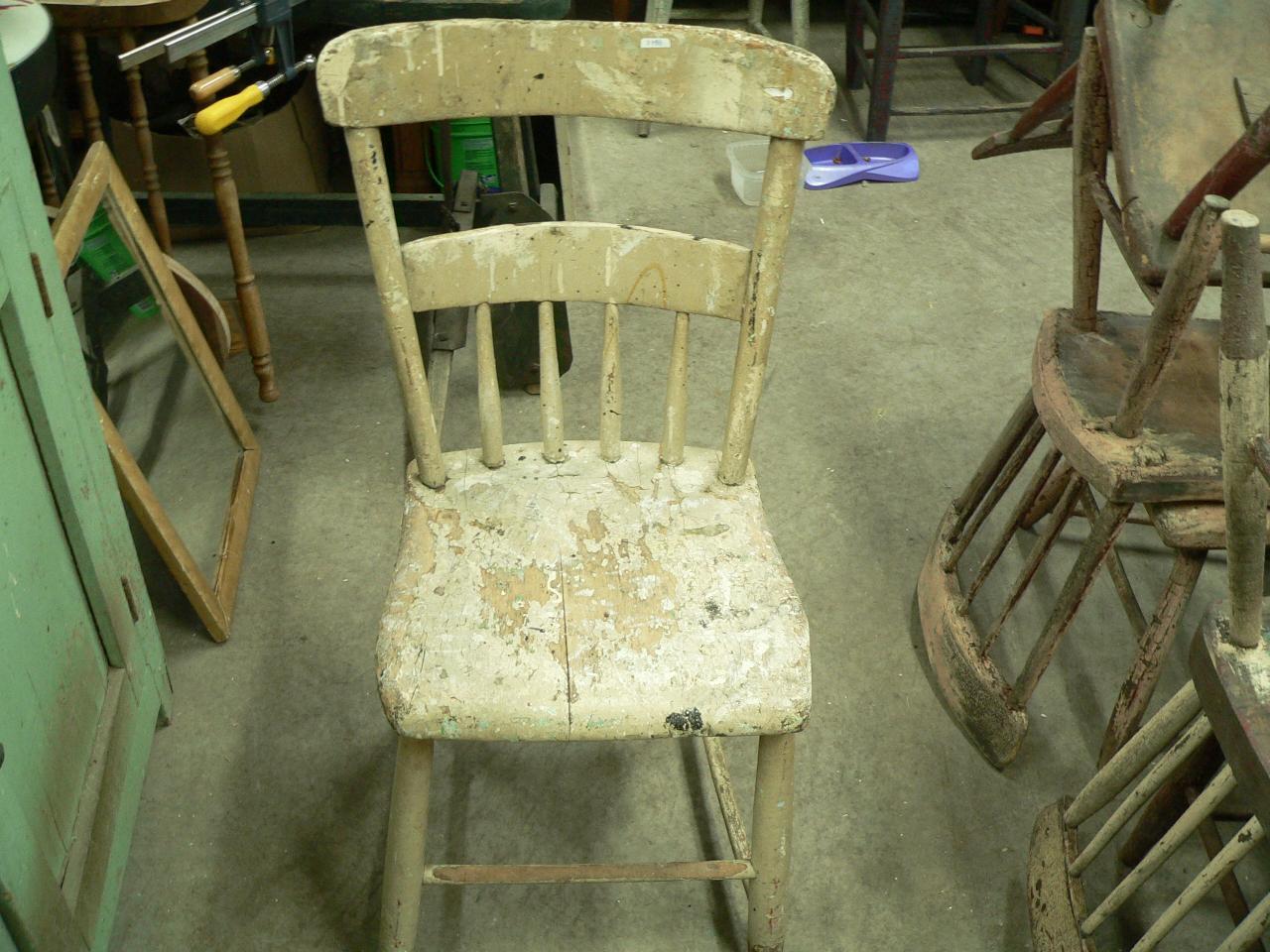 Chaise antique pour enfant # 3788