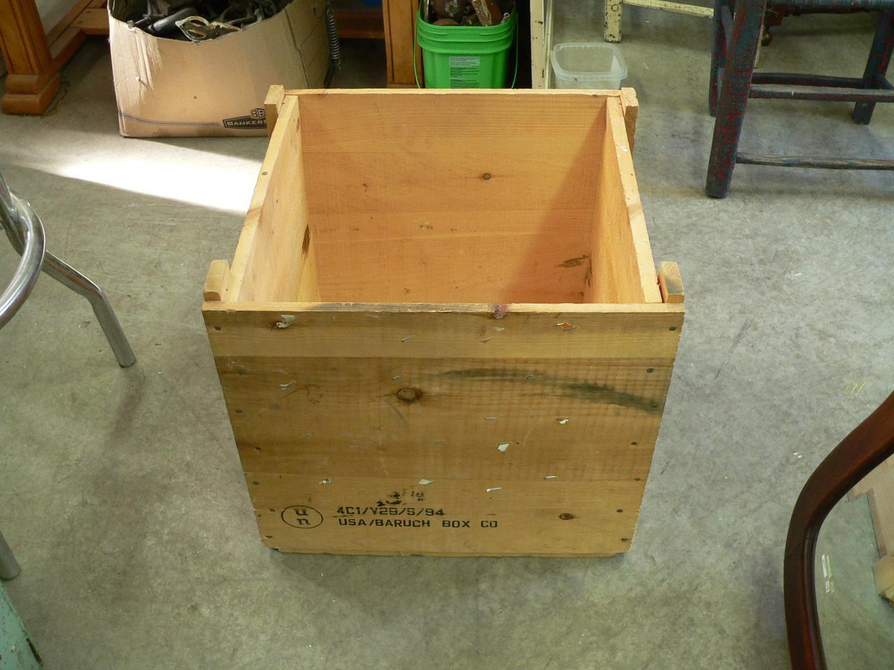 Belle caisse de bois # 3853