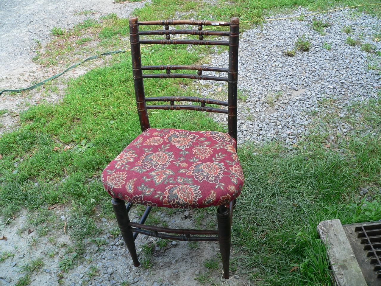 Chaise en bois # 4498
