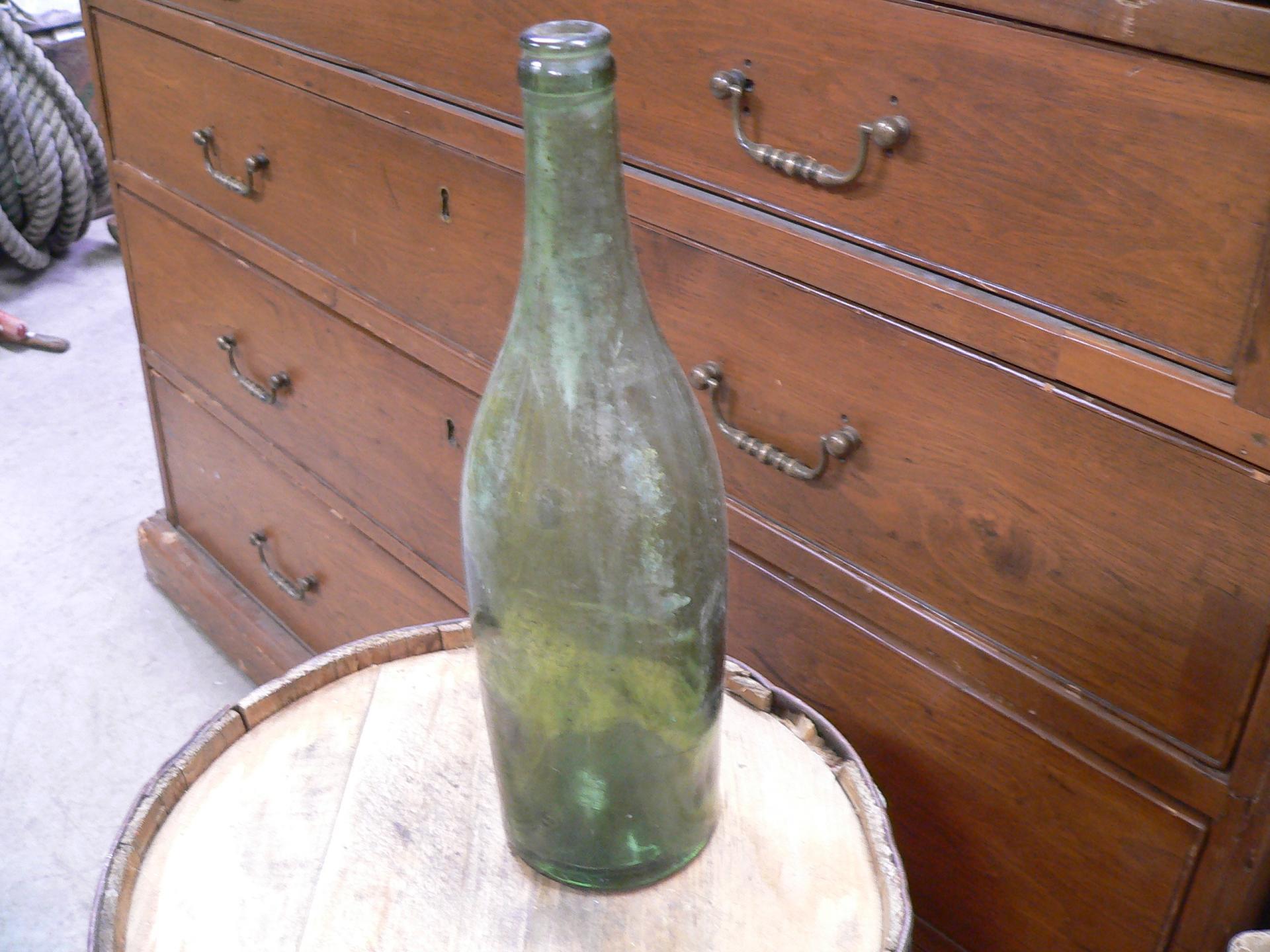 Bouteille antique verte # 4687.6