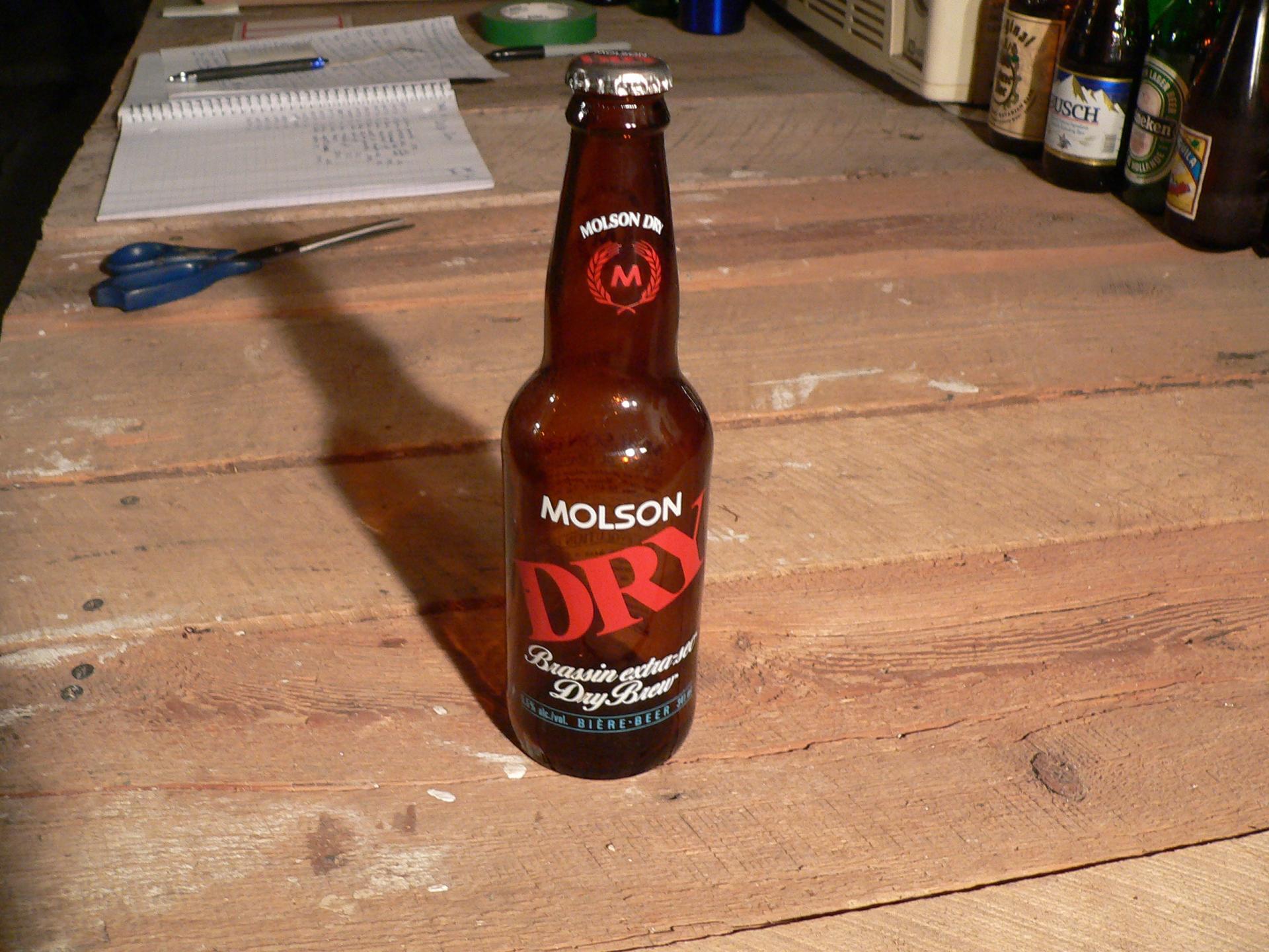 Biere molson dry # 4739.52
