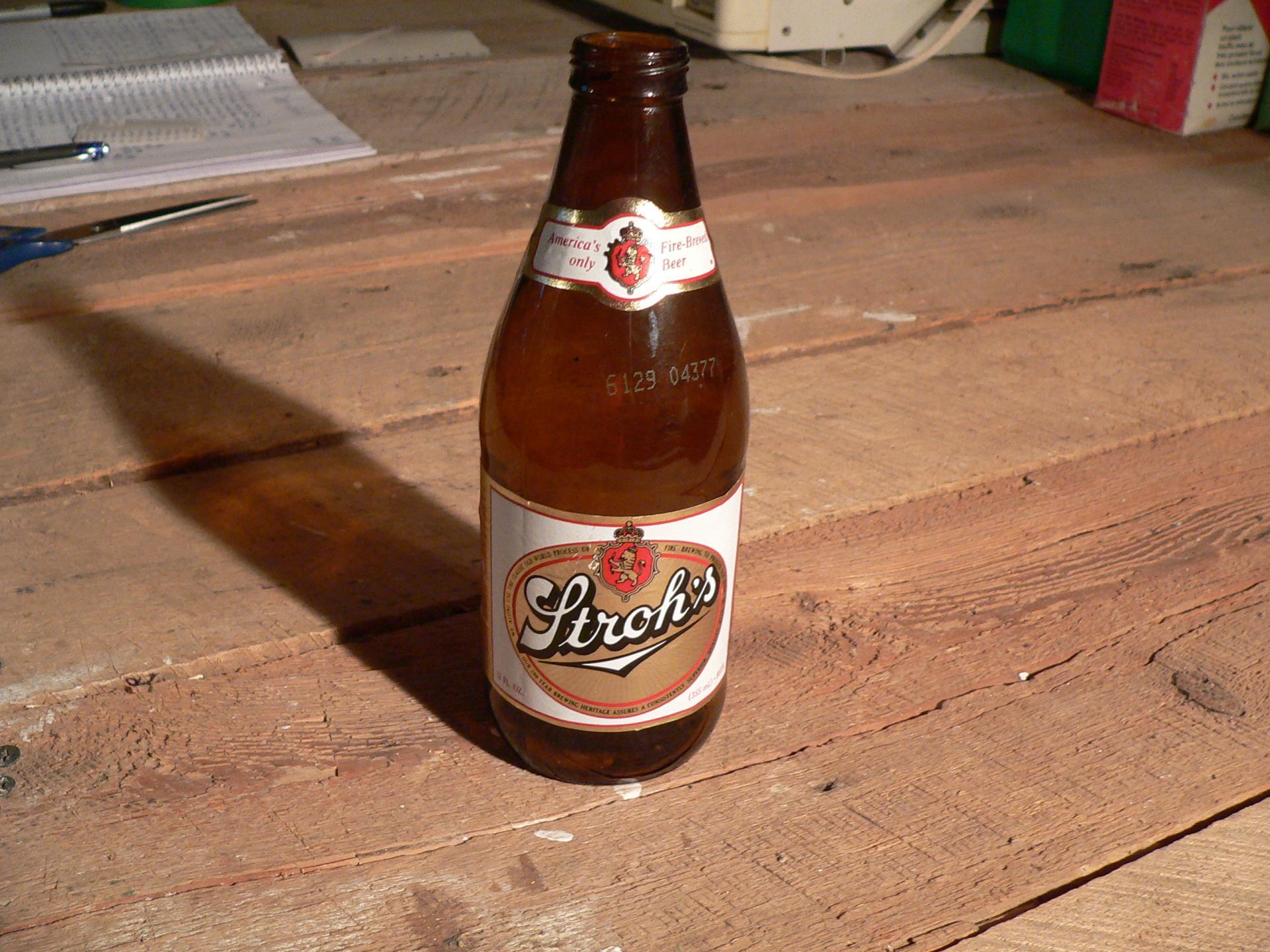 Bière stroh's # 4739.9