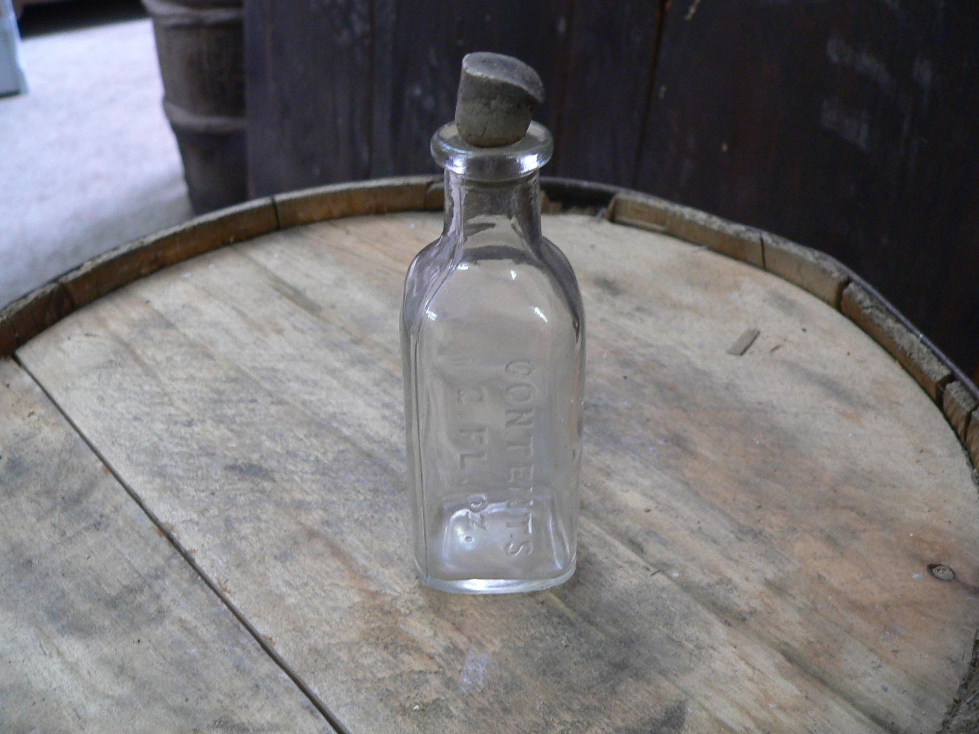 Vieux pot de médicament antique # 5023.10