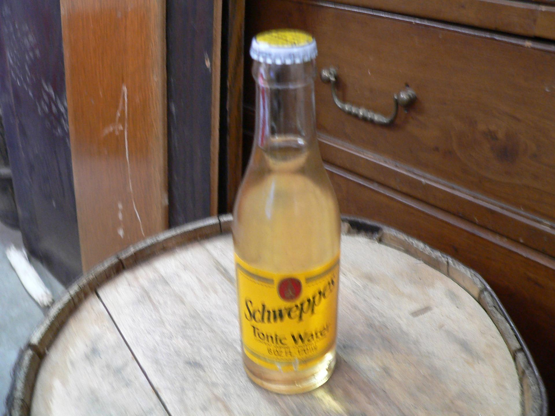 Bouteille schweppes tonic water # 5046.4