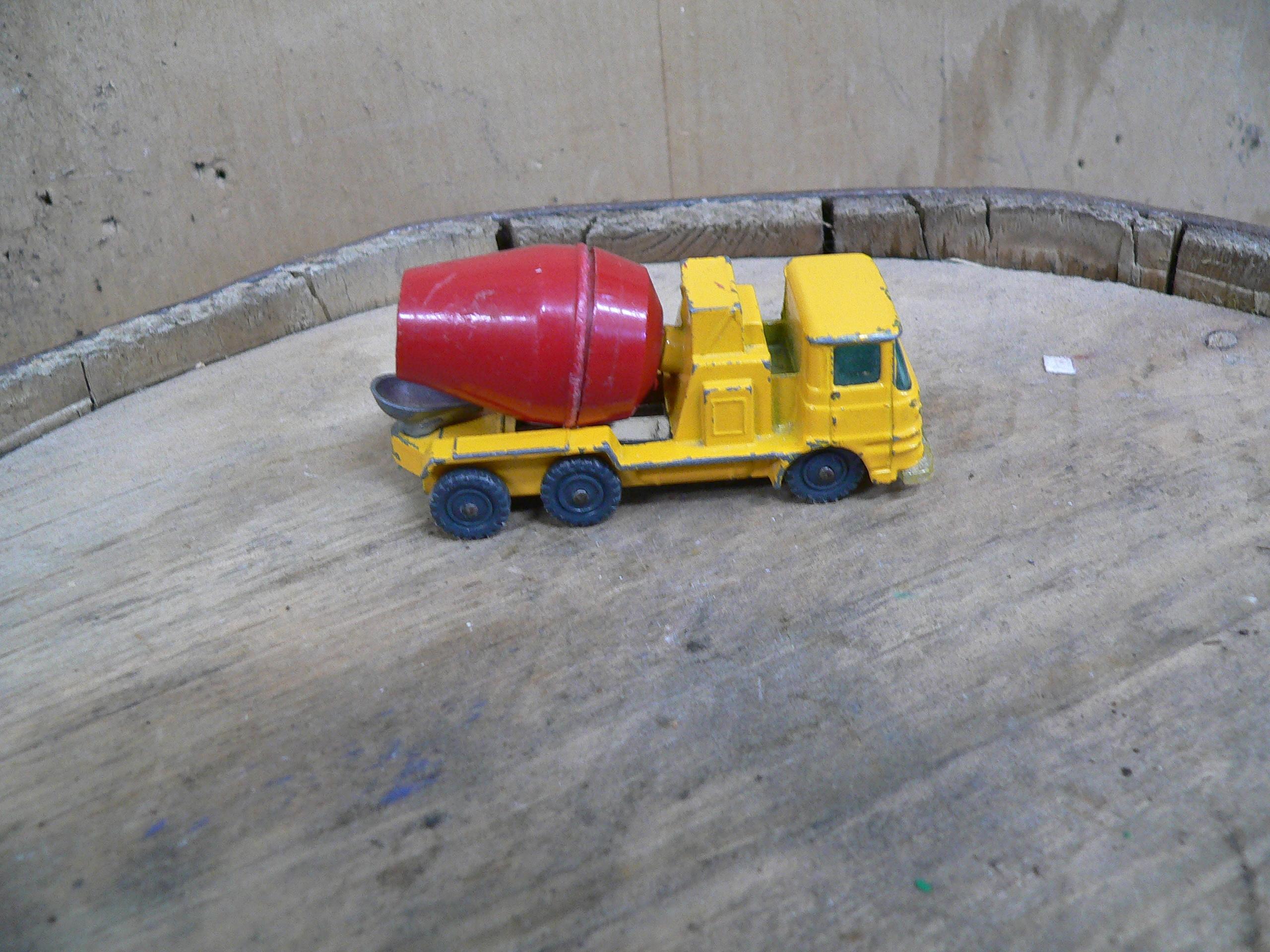 Camion husky ciment # 5374.18
