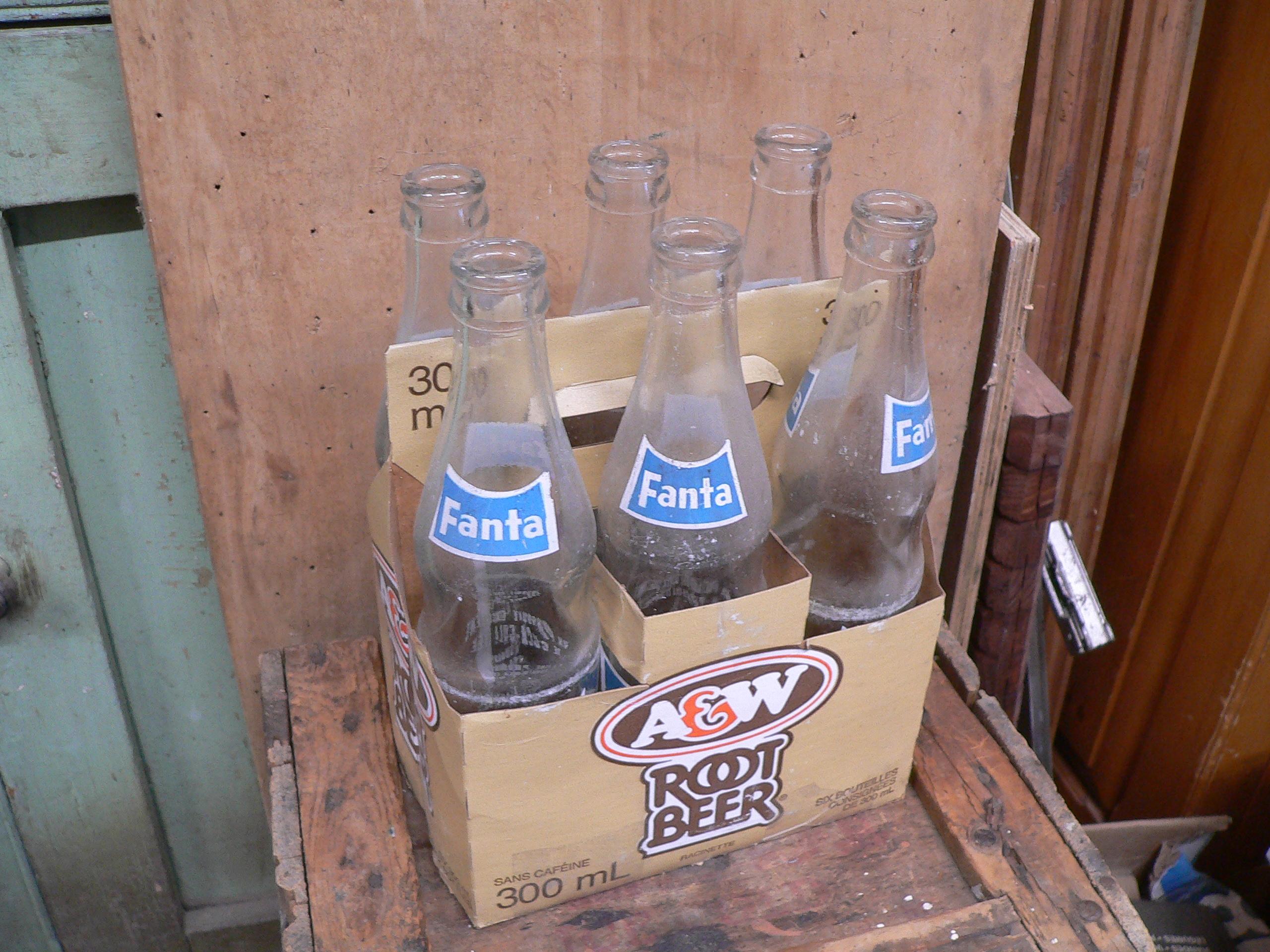 6 pack a&w avec 6 bouteille fanta # 5802.1