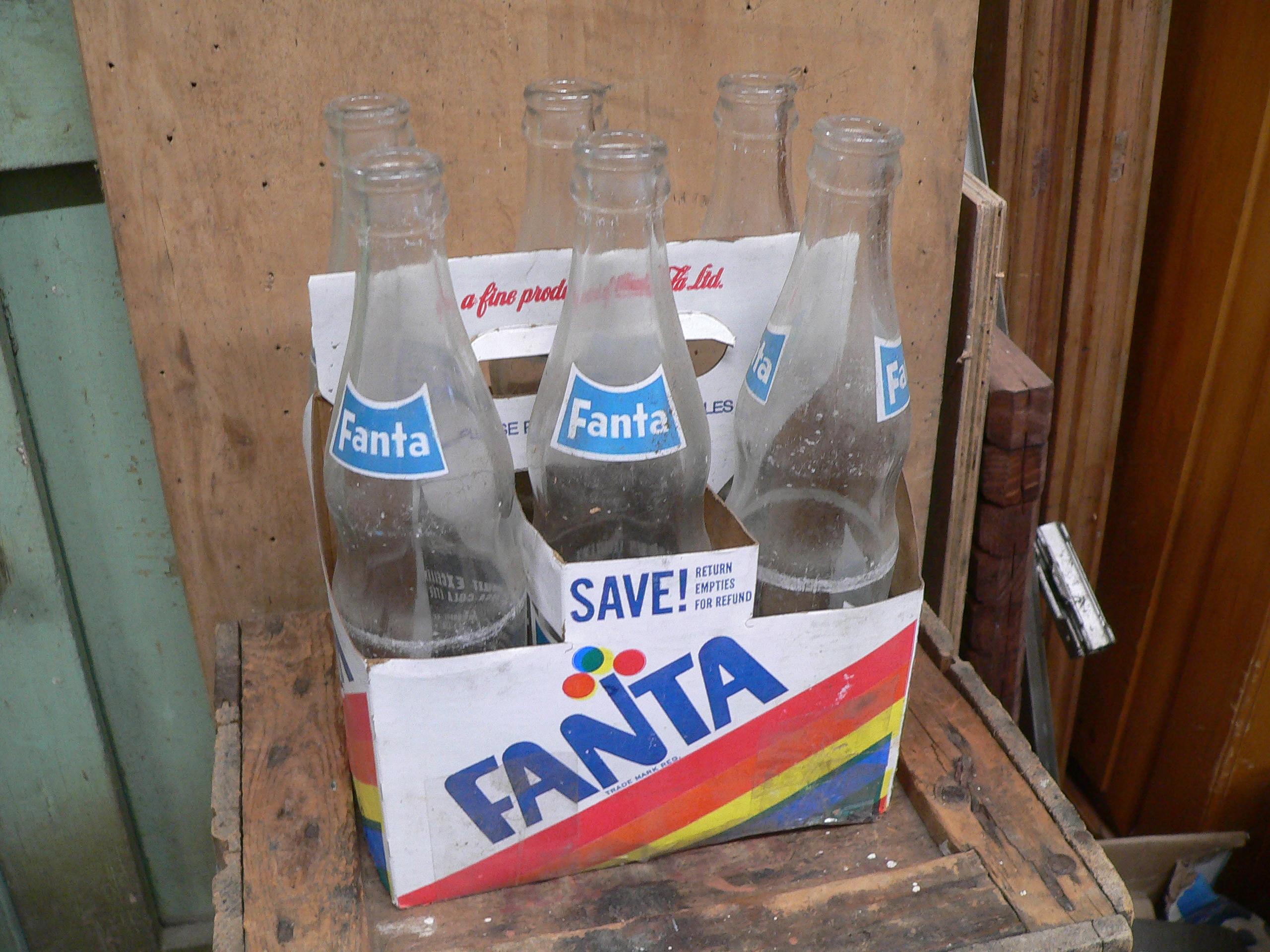 6 pack vintage de fanta avec 6 bouteille fanta # 5802.2