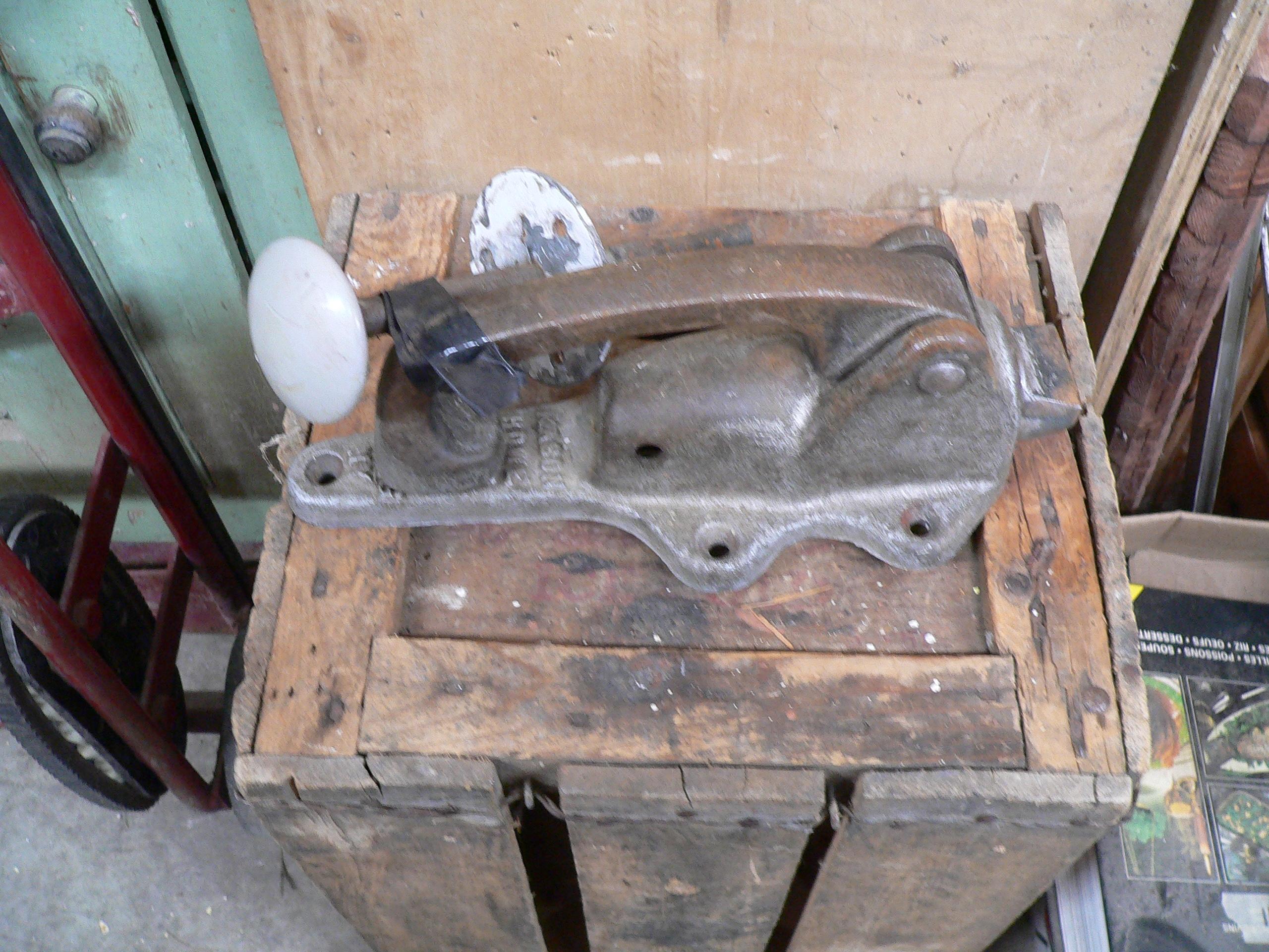 Poignée antique de frigidaire # 5869.17