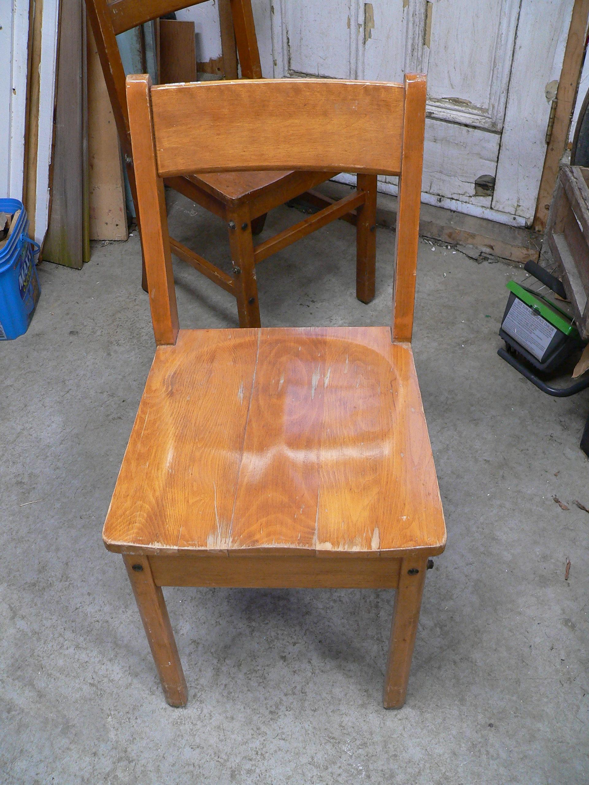 Chaise antique # 5892.6