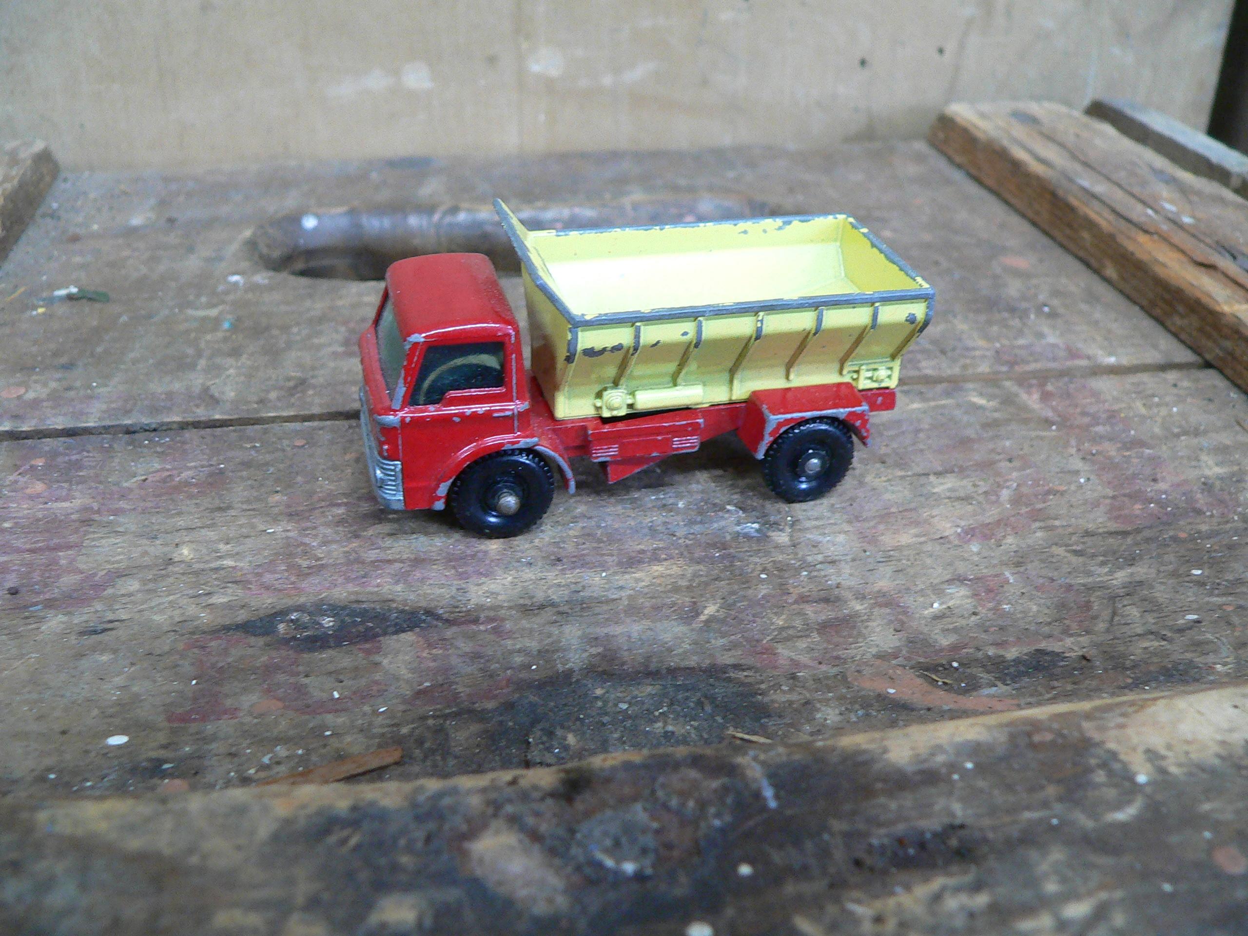 Grit spreader truck # 5928.1