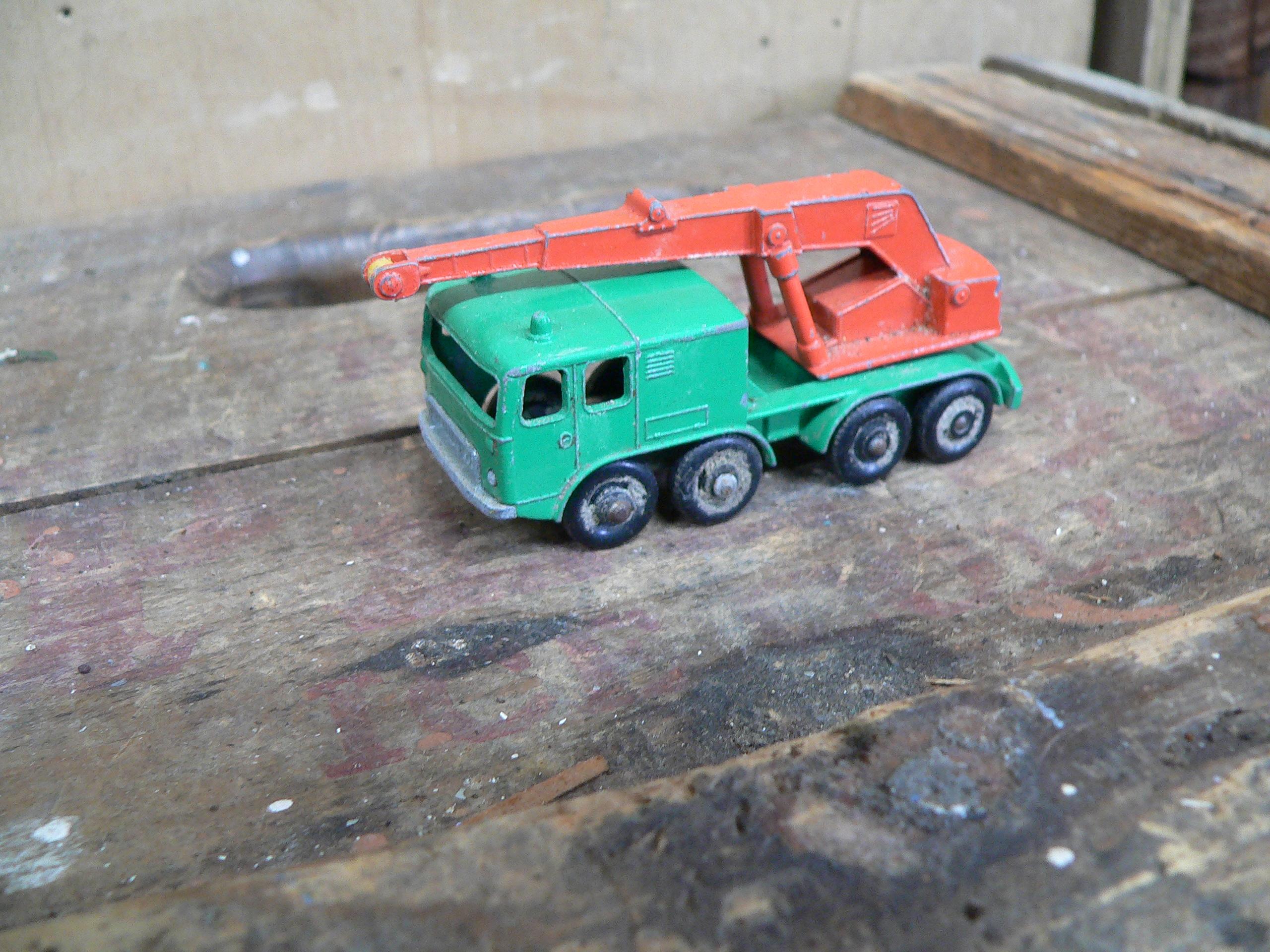 8 wheel crane truck # 5928.4