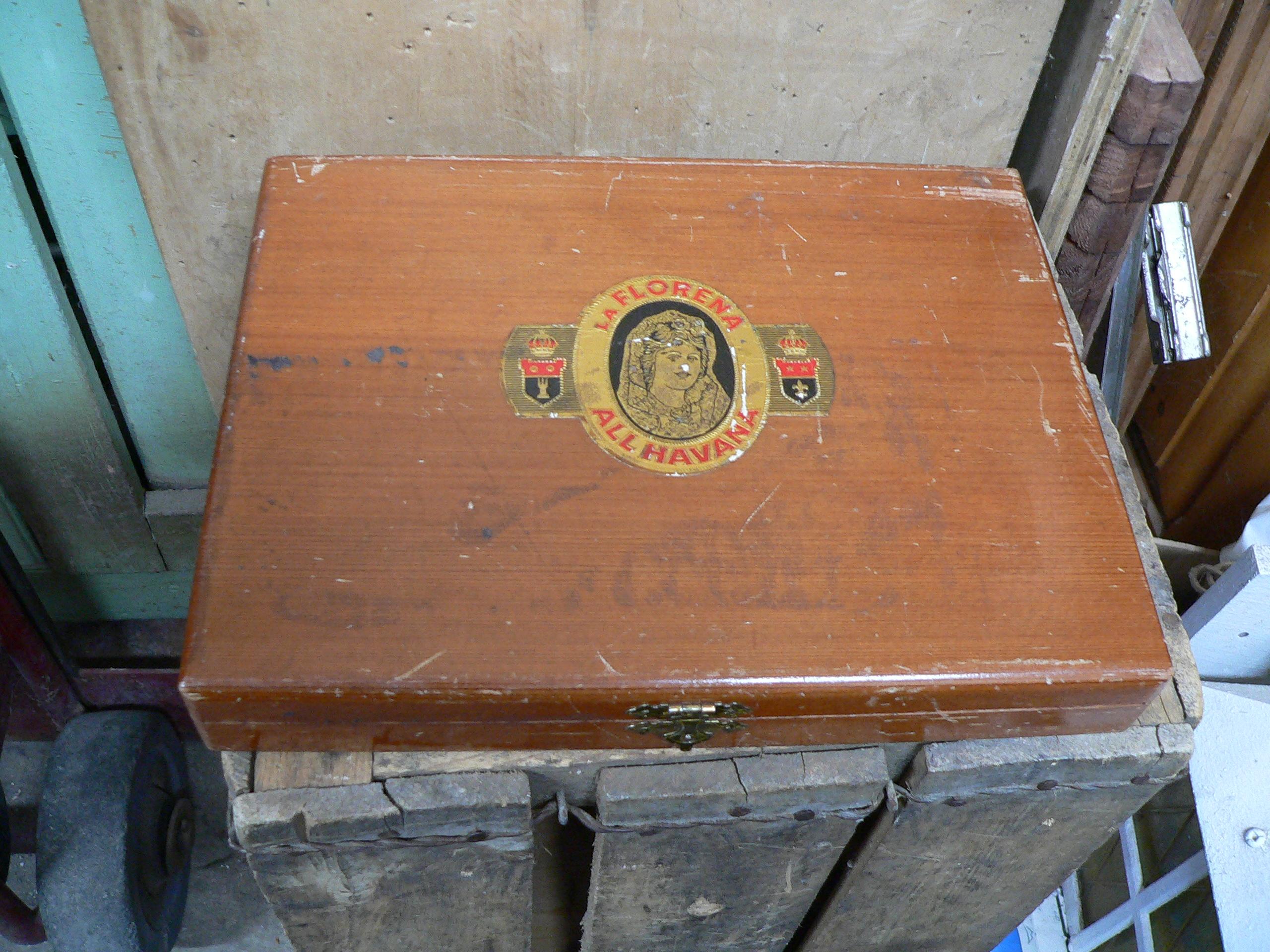Boite de cigare antique # 6096.1