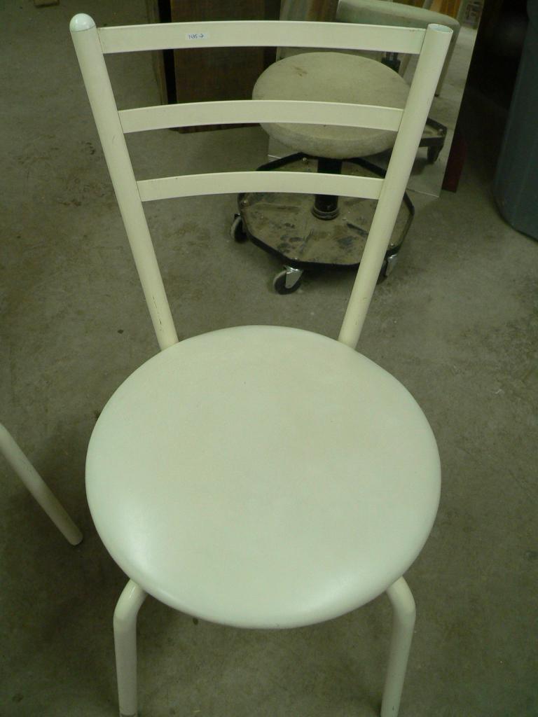 2 Chaise en métal # 1435