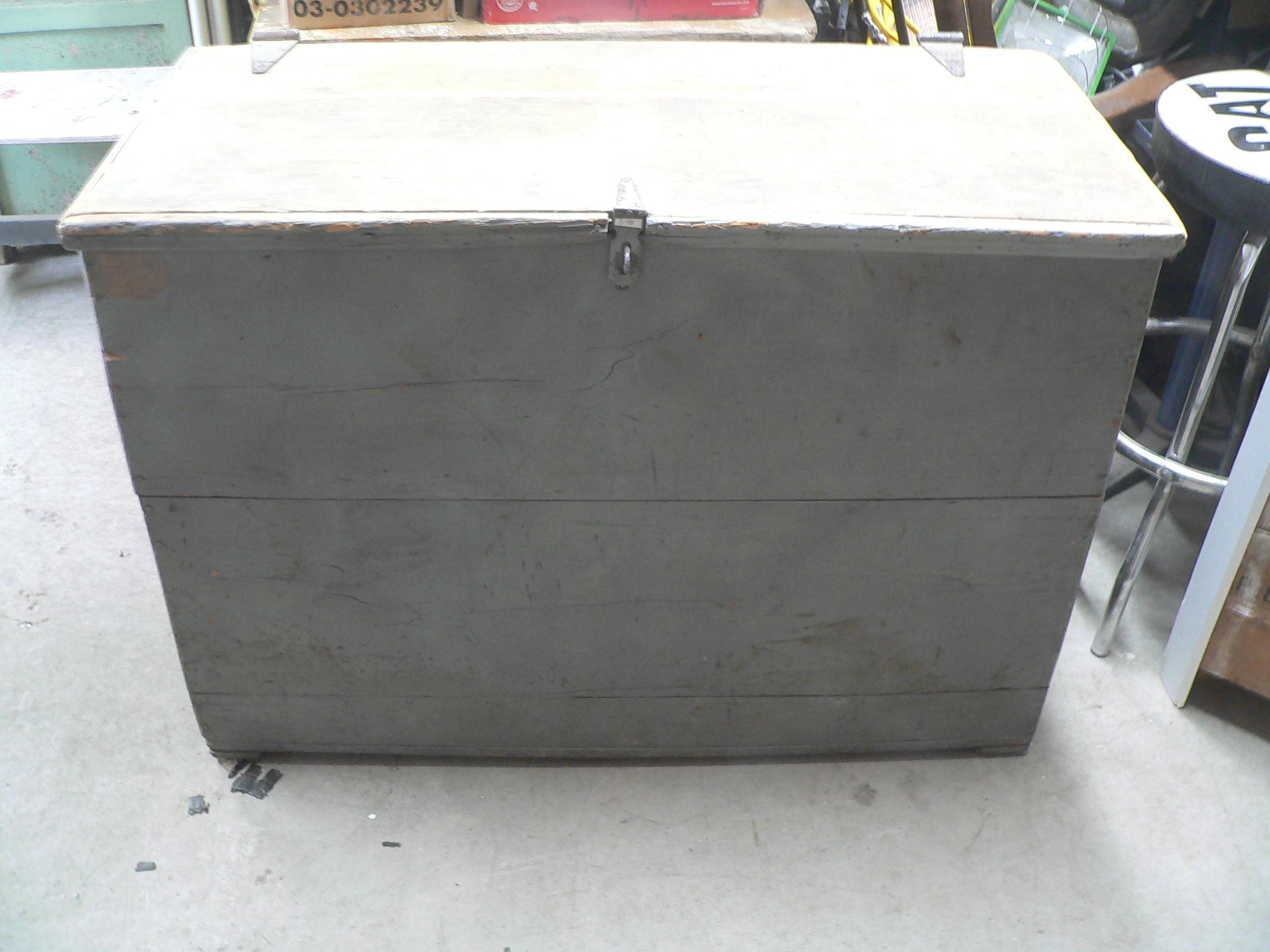 Gros coffre antique # 3138
