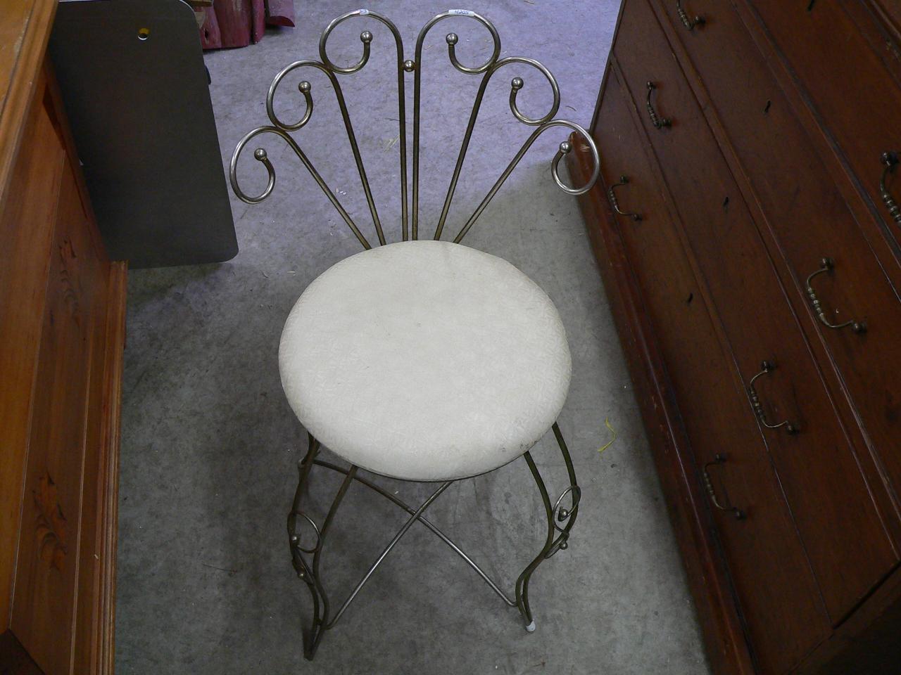 Petite chaise vintage # 4205