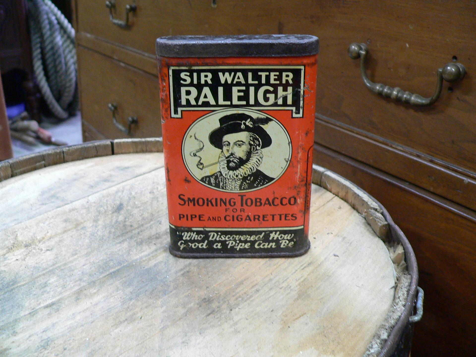 Boite de tole antique de cigarette sir walter raleigh # 4695