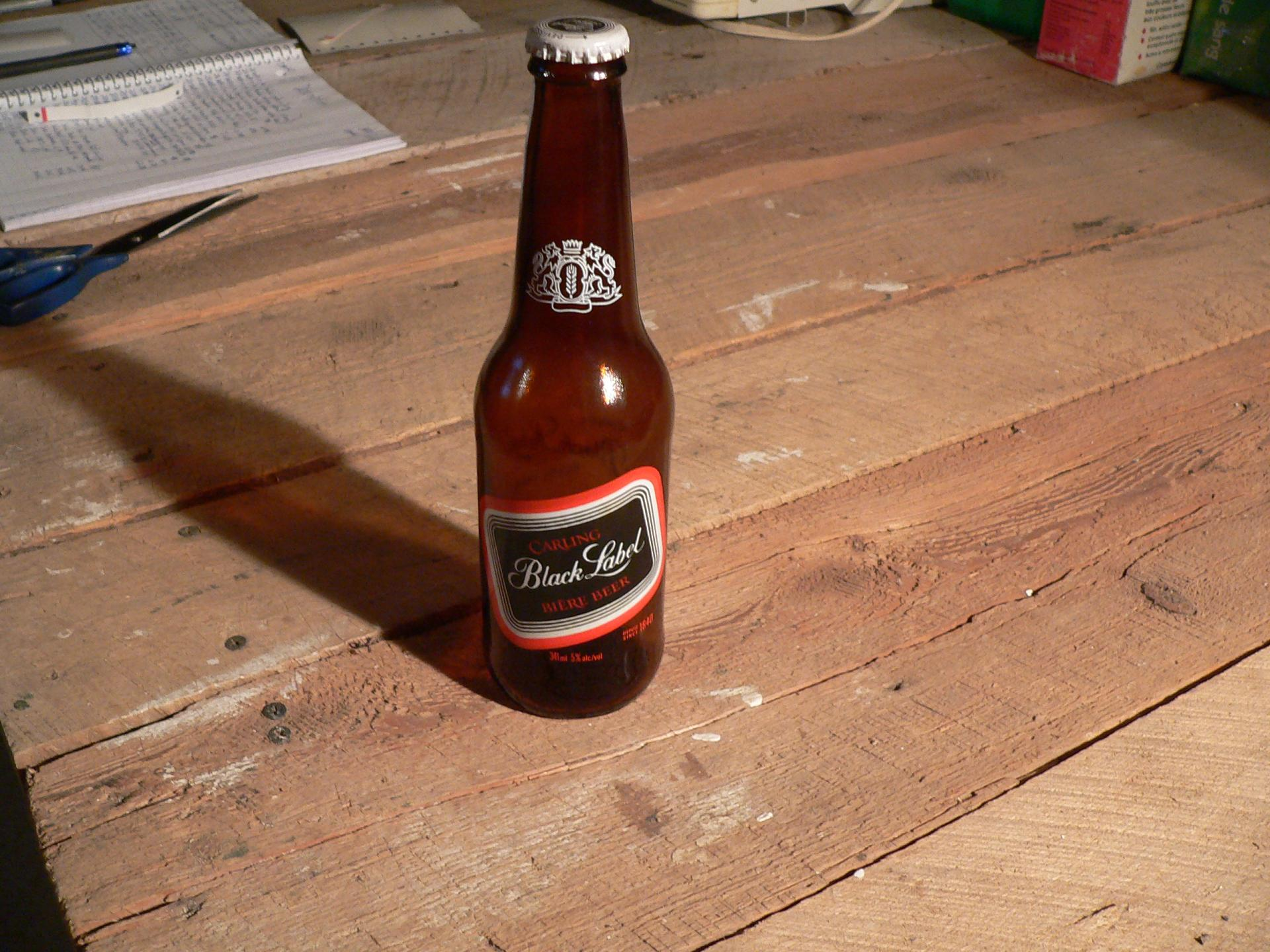 Bière black label # 4739.6
