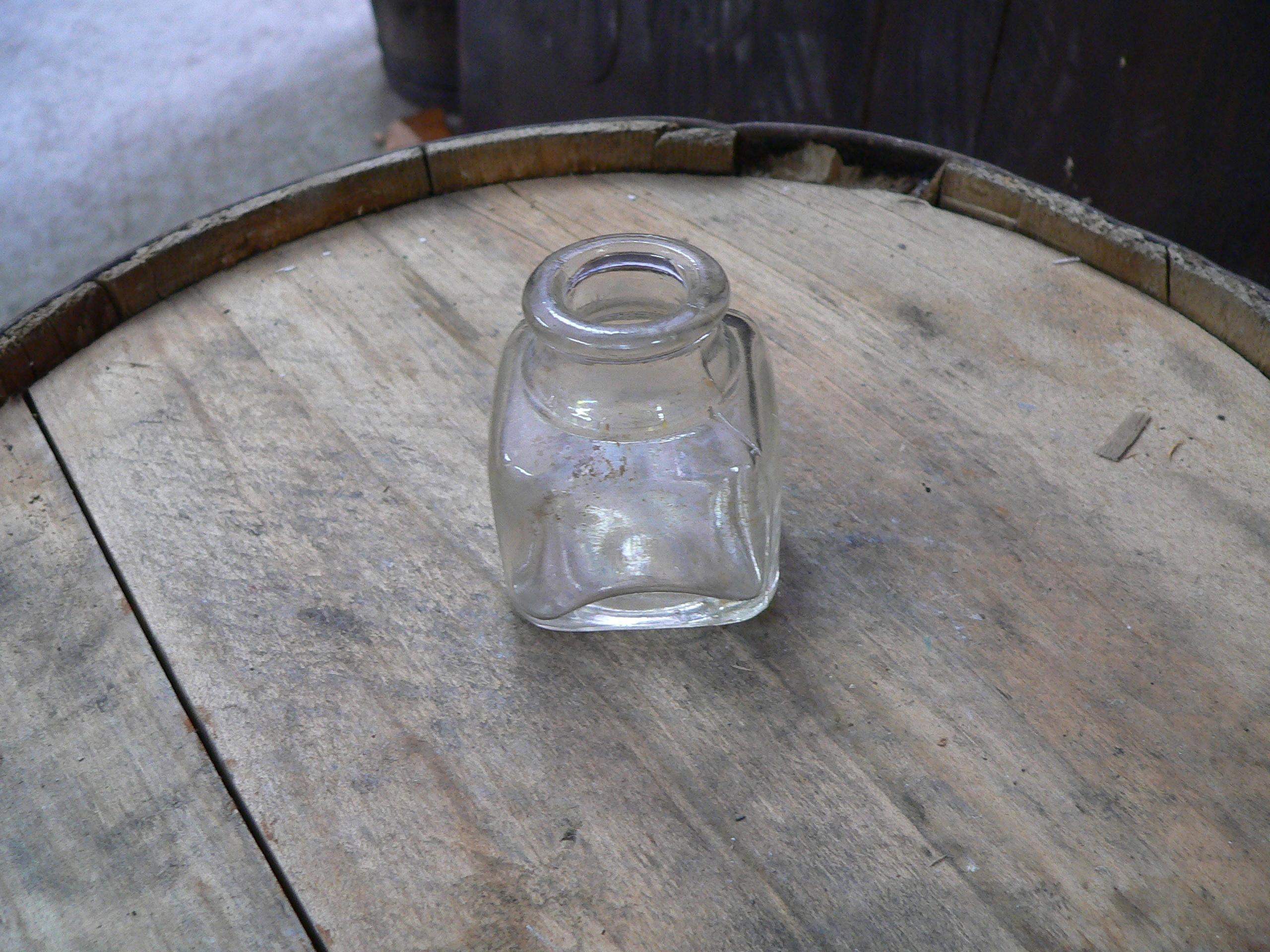 Vieux pot d'encre antique # 5023.17