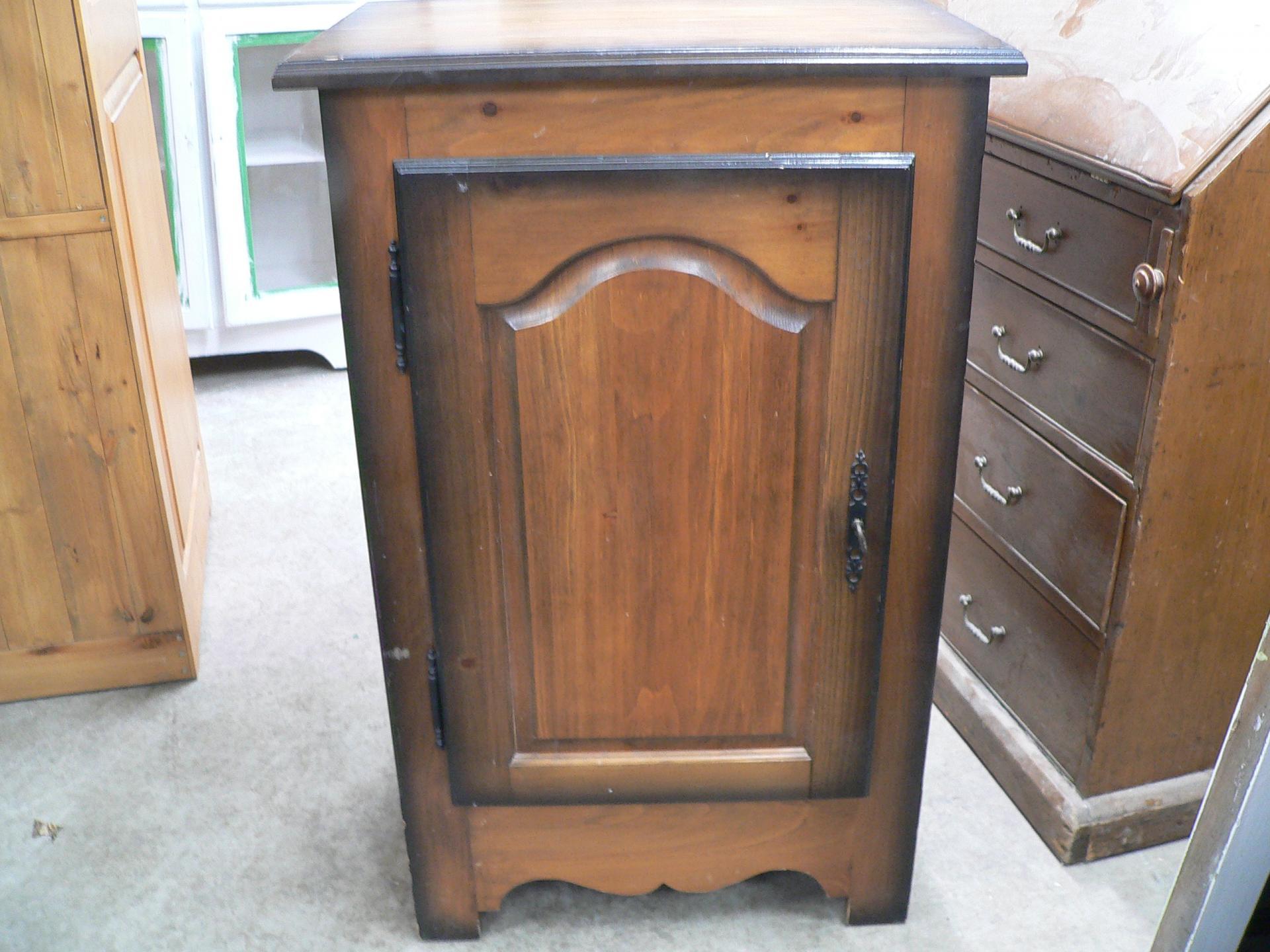Petite armoire # 5127