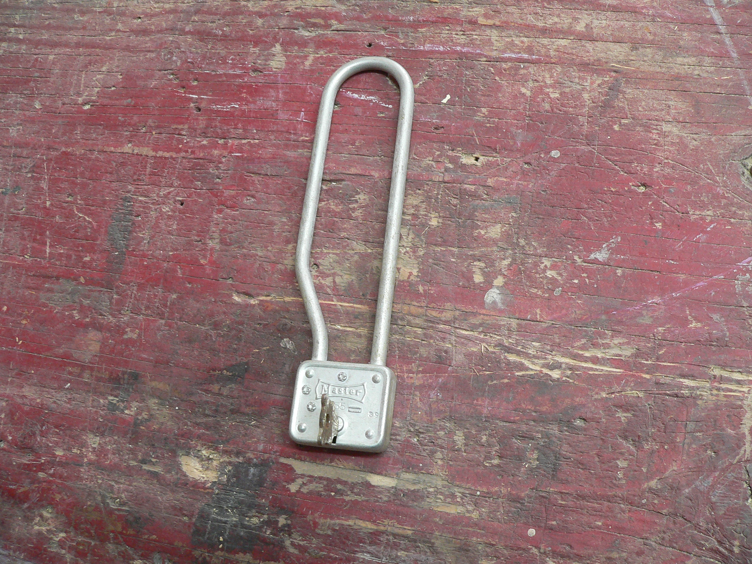 Cadenas antique master lock # 5844.1
