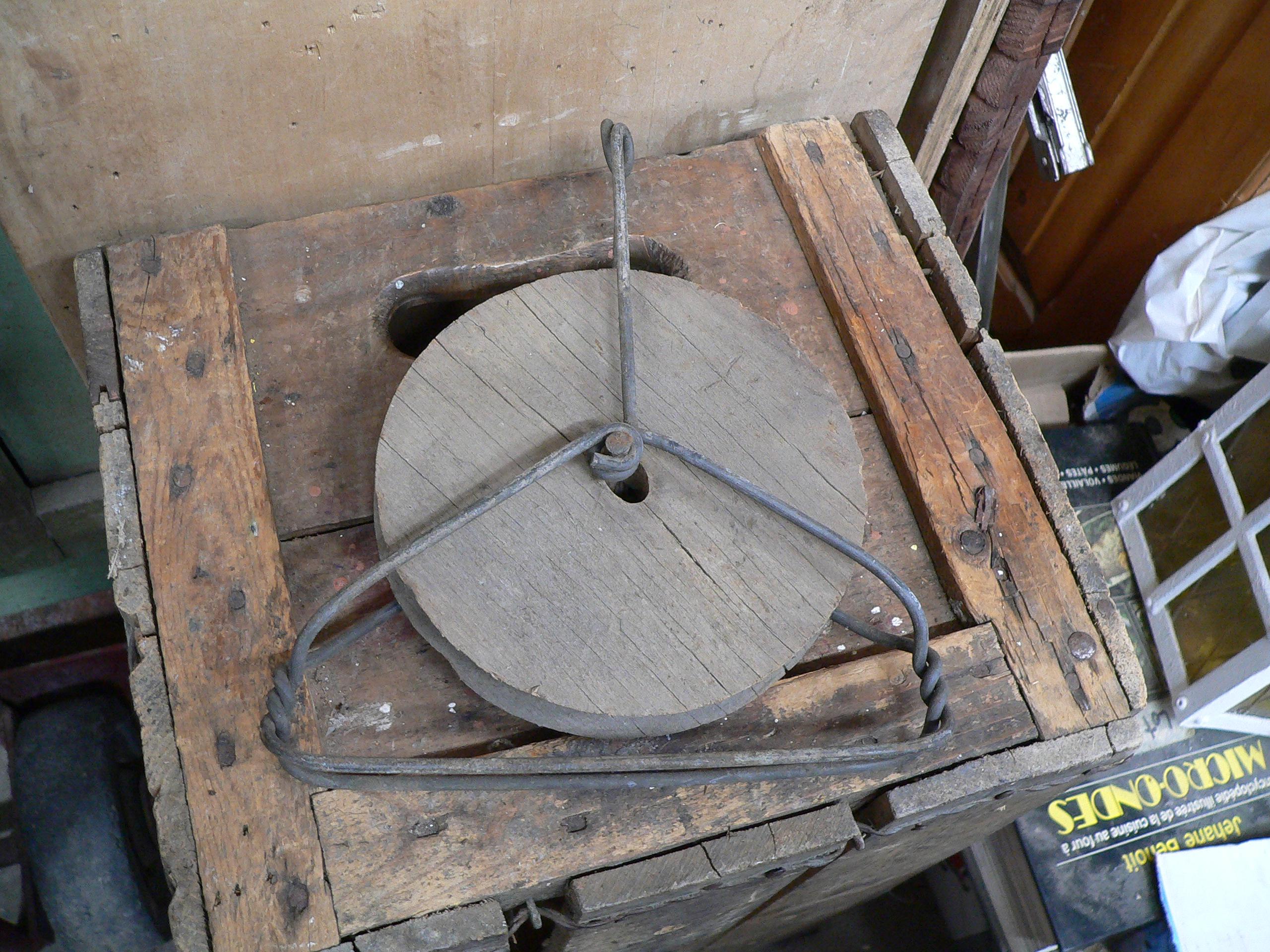 Poulie antique bois et métal # 5880.5