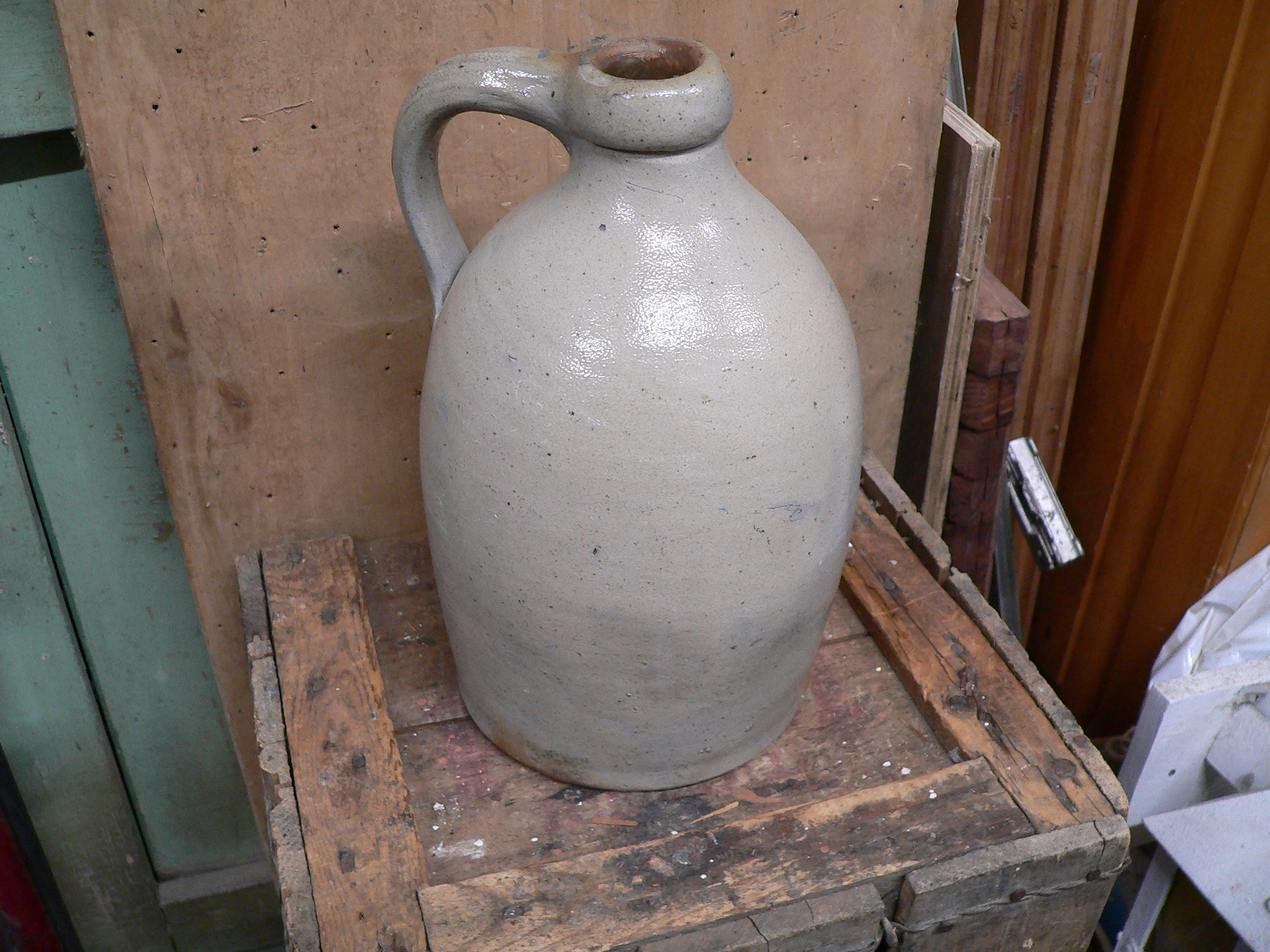 cruche antique en grès # 5941.2