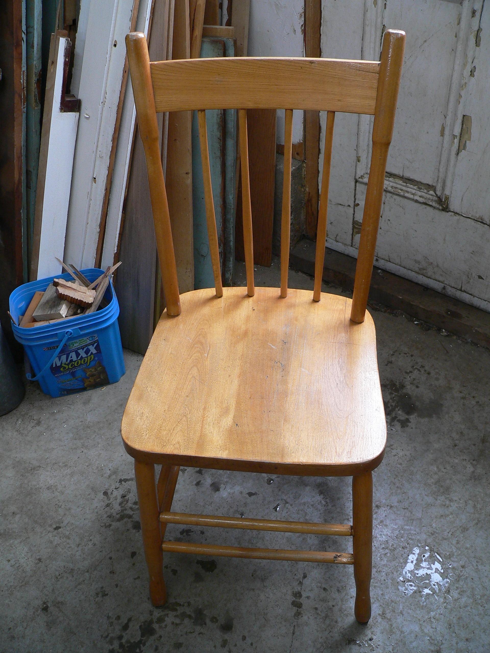 Chaise antique # 6009