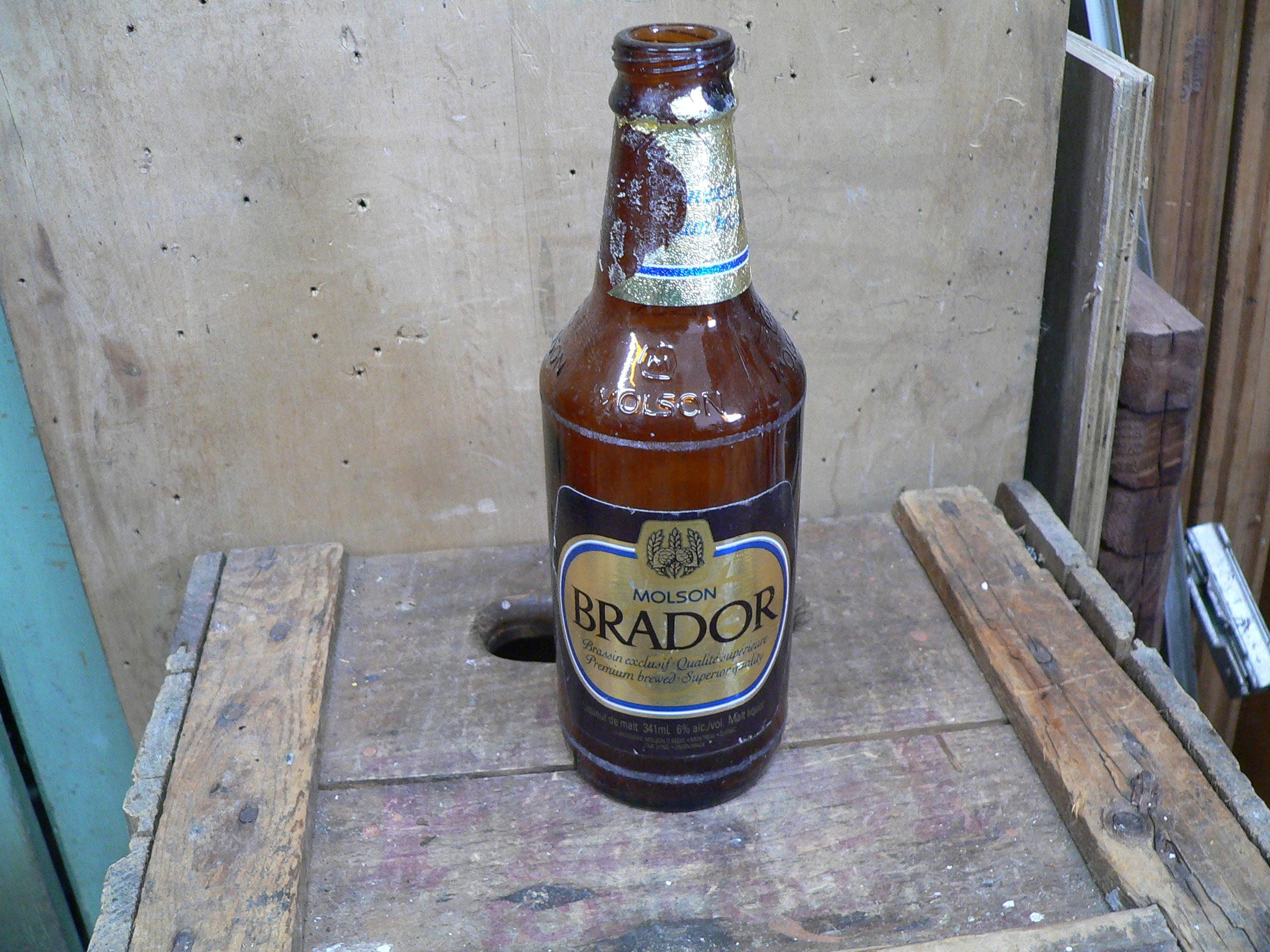 Bouteille bière molson brador # 6040.9