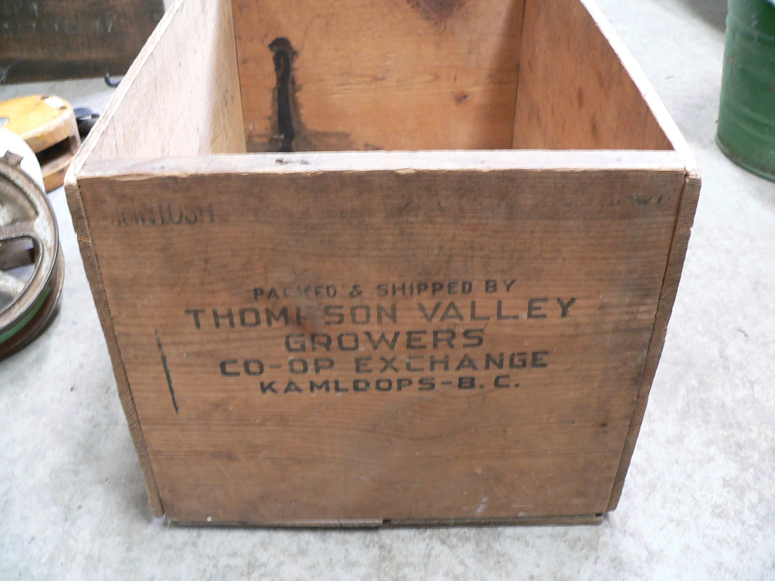 Caisse antique en bois # 6174.2