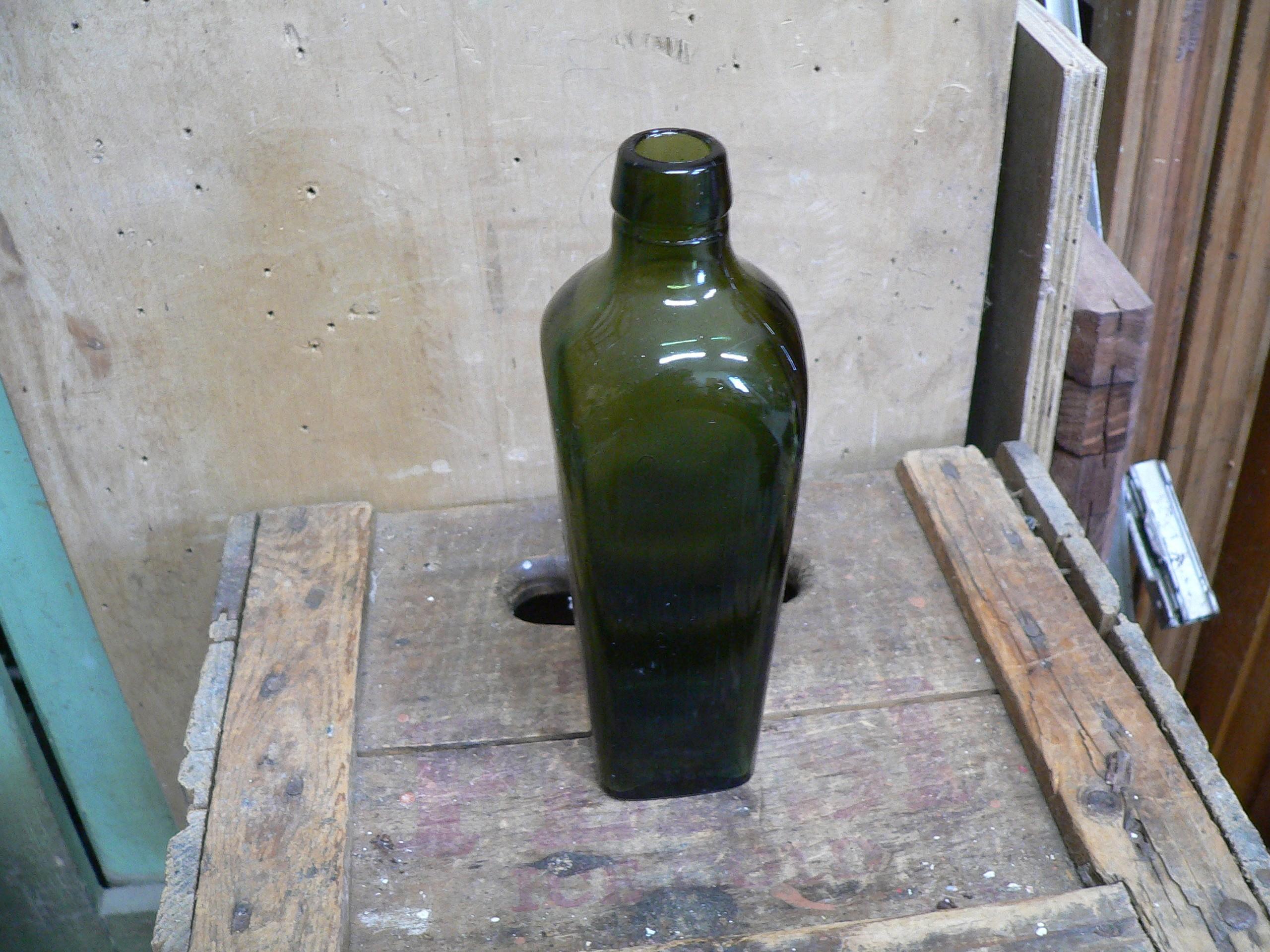 Petite bouteille antique de gin # 6190.1