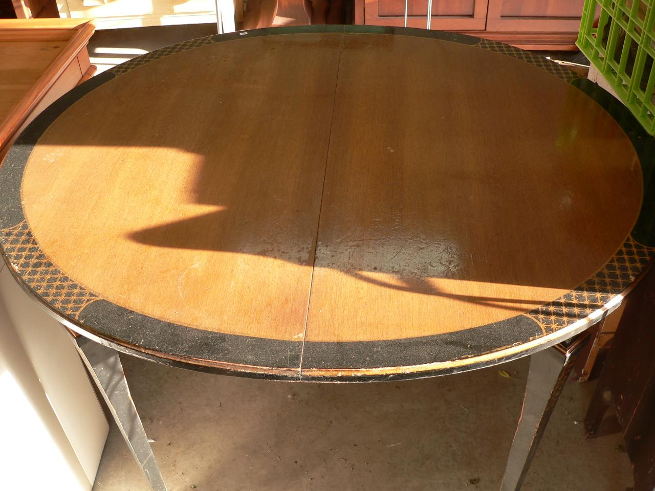 table ovale ancienne # 648