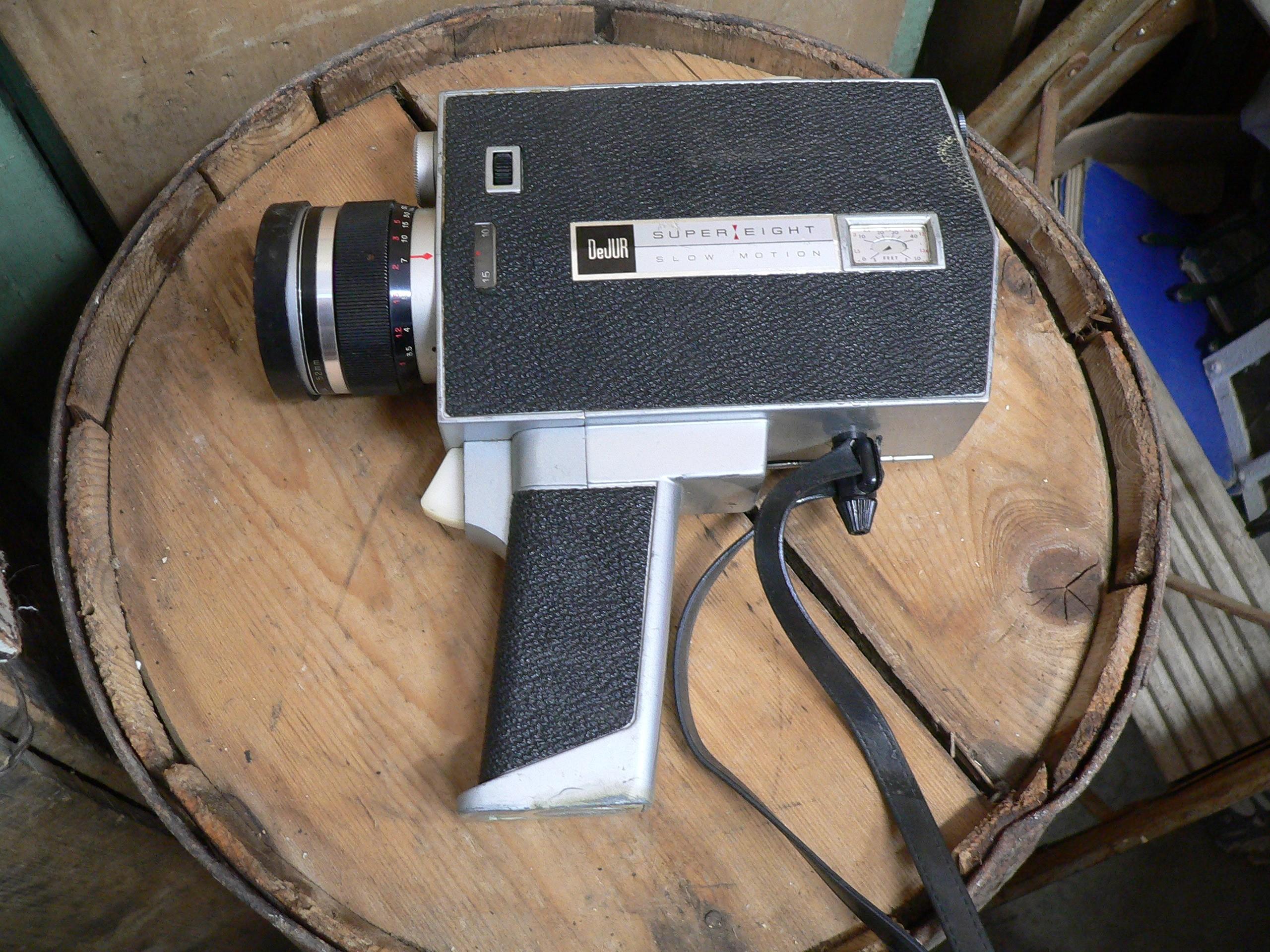 Petite camera antique de jur super eight slow motions # 6830.8