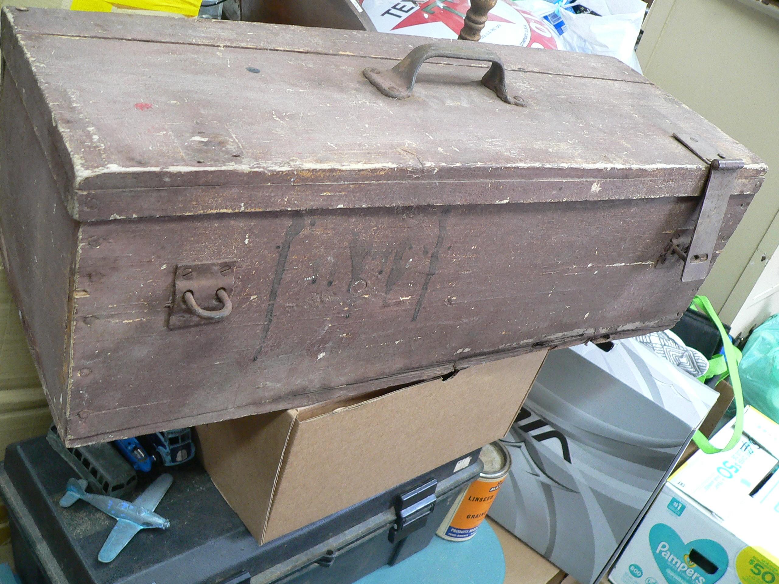 Coffre a outil antique en bois # 6847