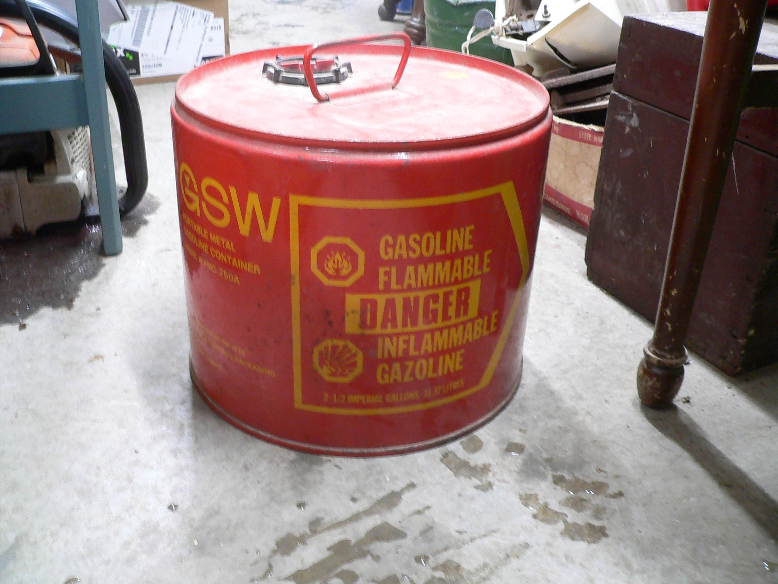 bidon antique a gaz # 6867.1