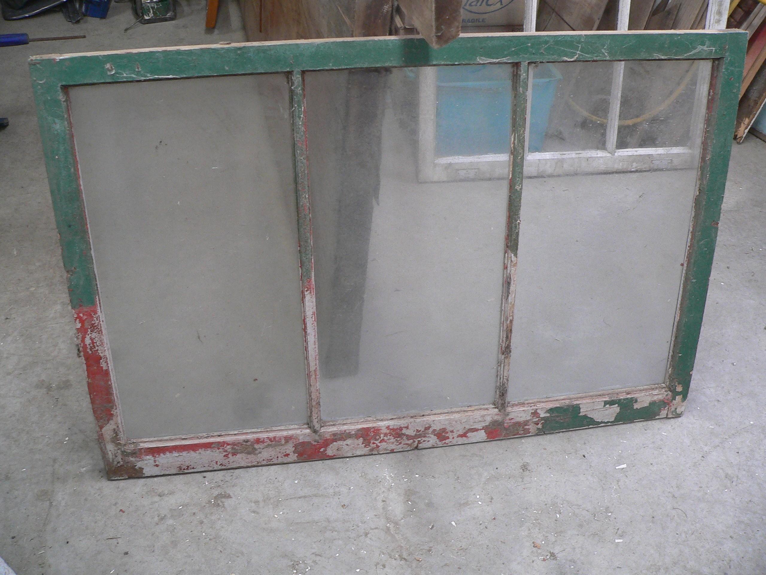 Fenêtre antique a 3 carreaux # 6960.3