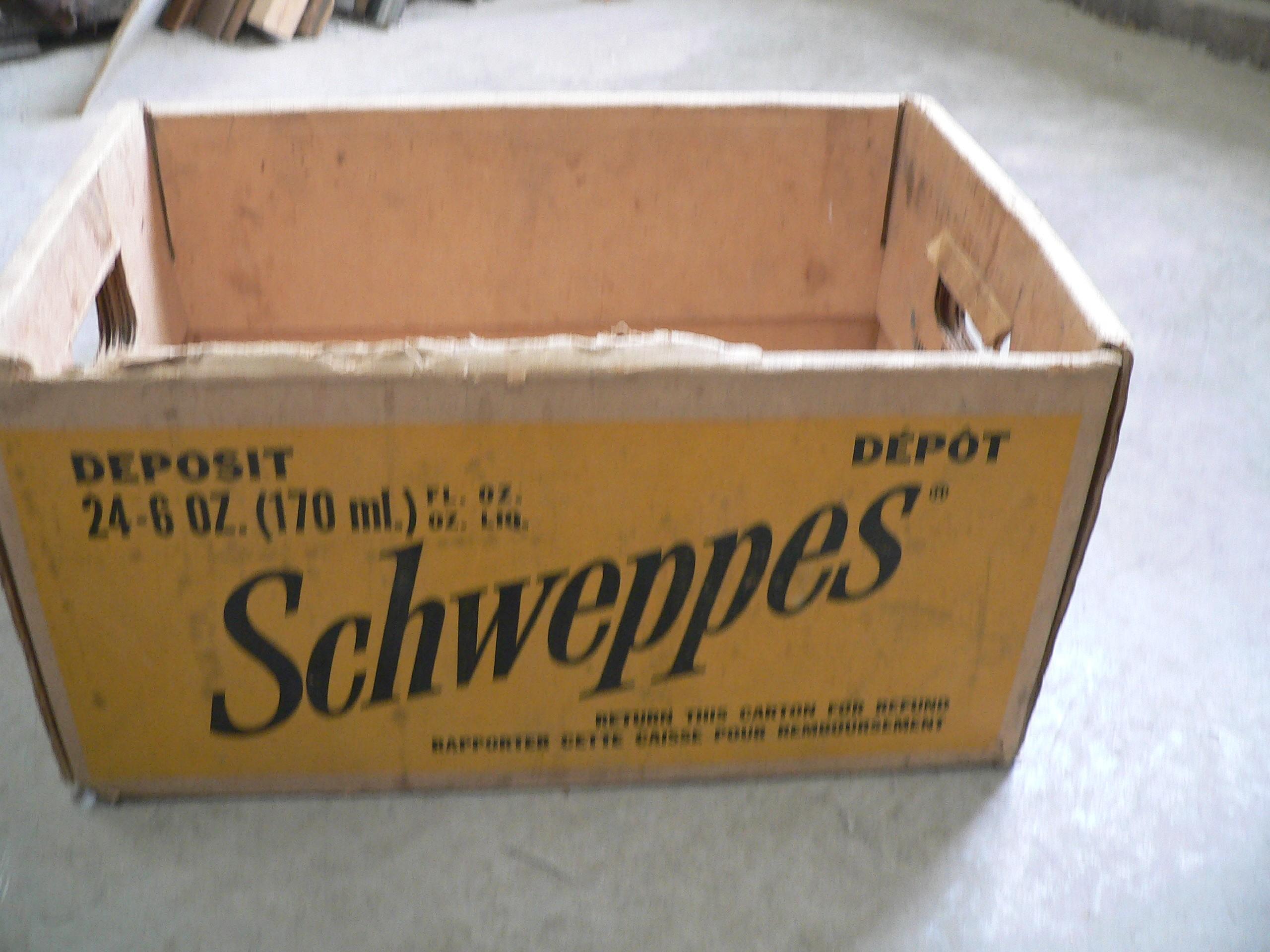 Caisse de carton schweppes # 7215.13