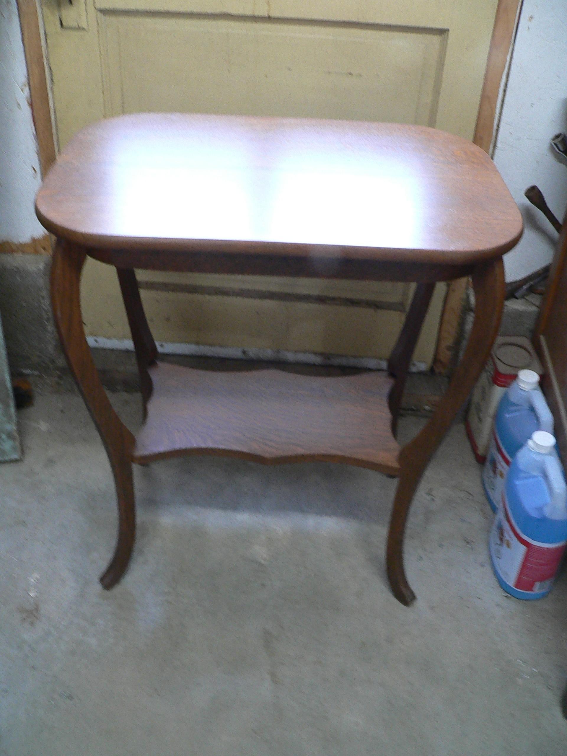 Table antique # 7610