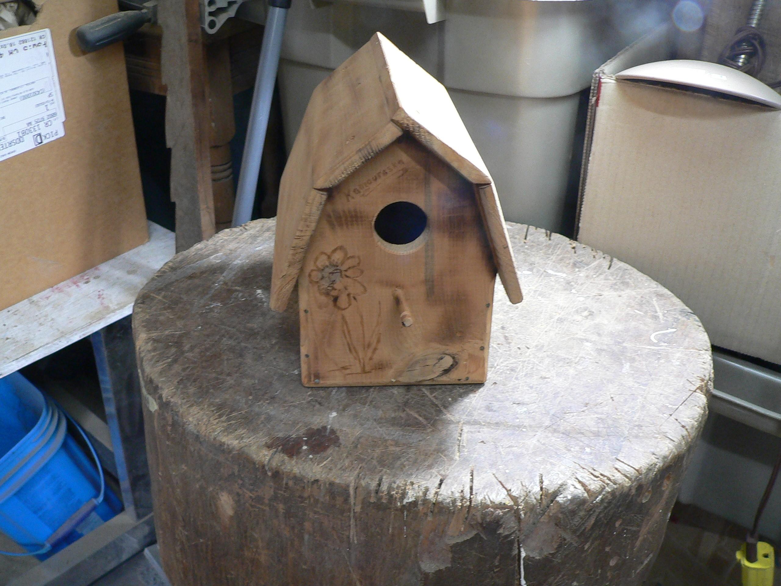 Petite cabane a oiseaux # 7655