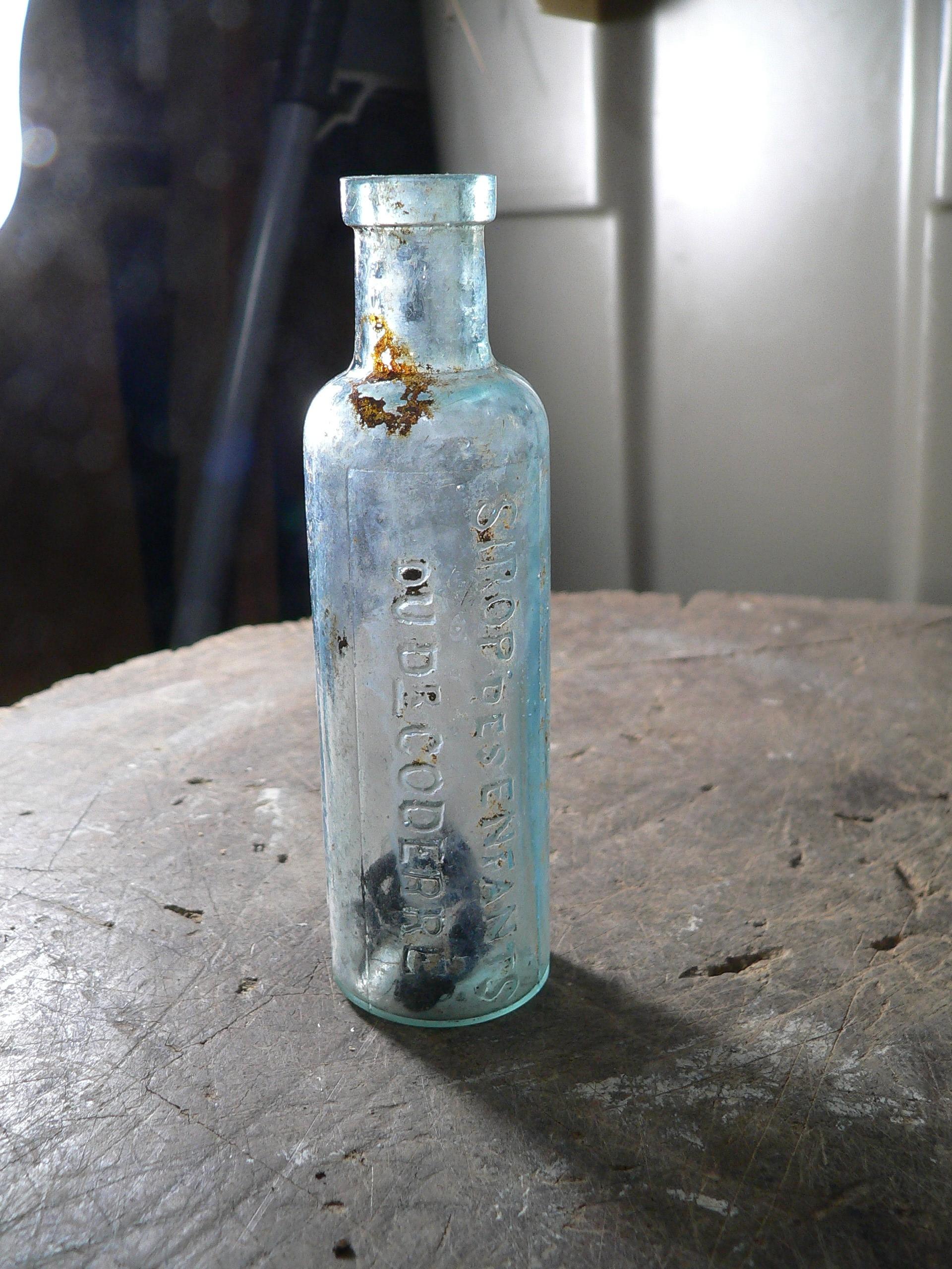 Bouteille antique sirop des enfants du dr coderre # 7807.5