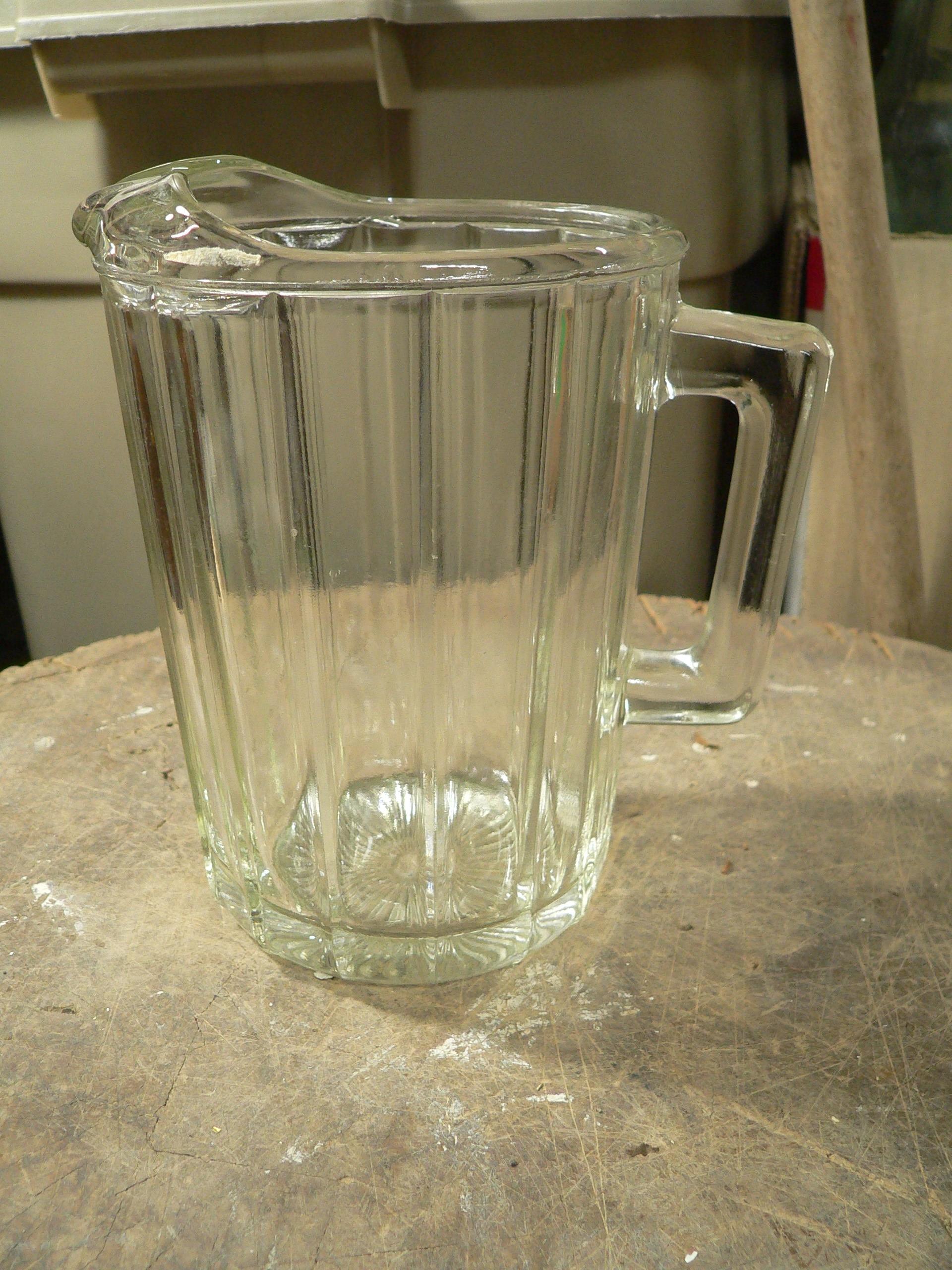 Pichet vintage en verre très épais # 7912.1