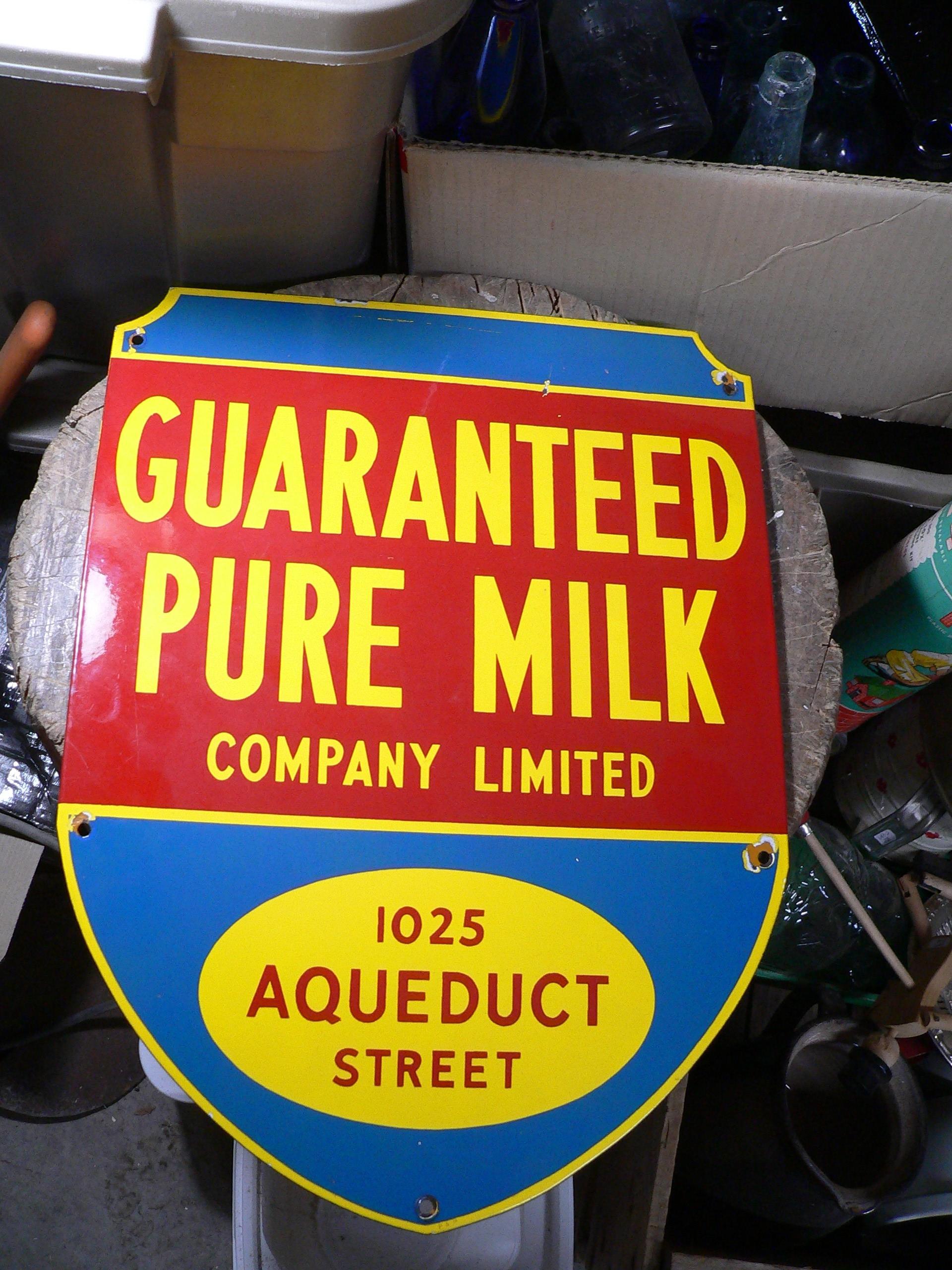 Enseigne antique guaranteed pure milk # 8593